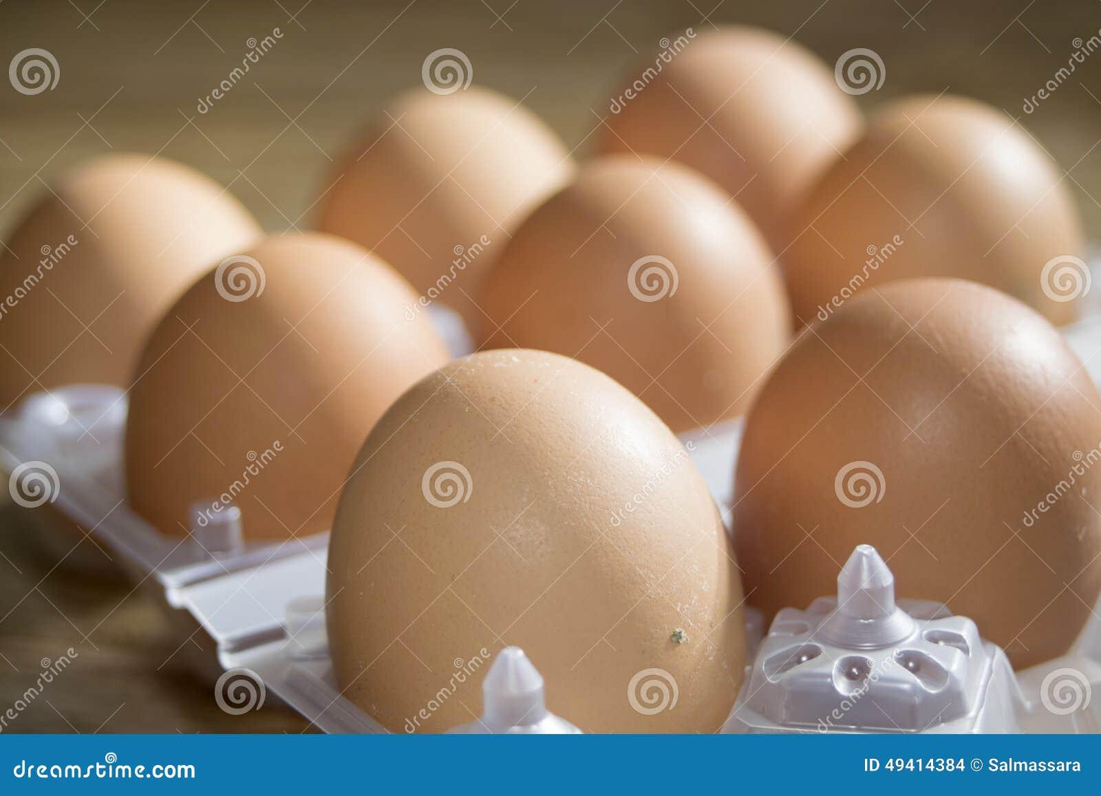 Download Frische Eier stockfoto. Bild von mittagessen, bauernhof - 49414384
