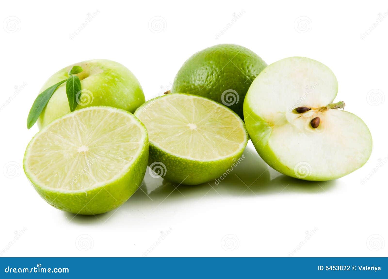 Frische grüne Früchte getrennt