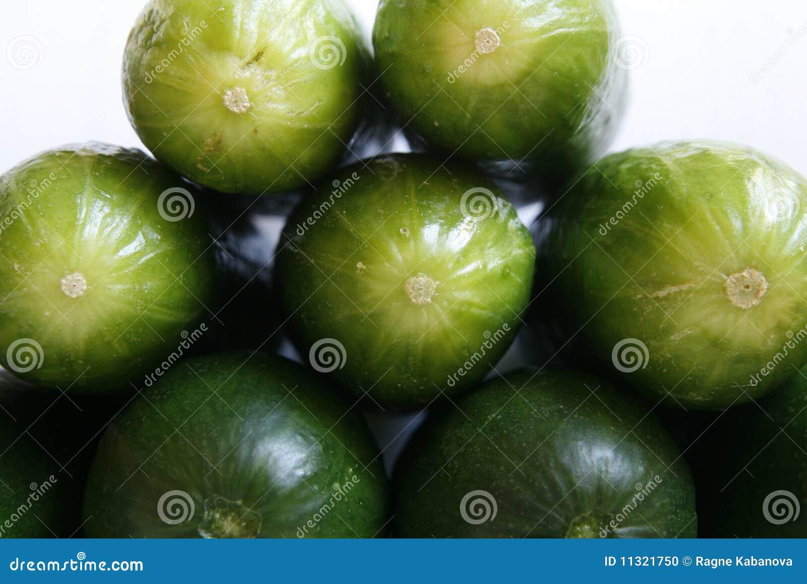 Frische Gurken in einem Stapel