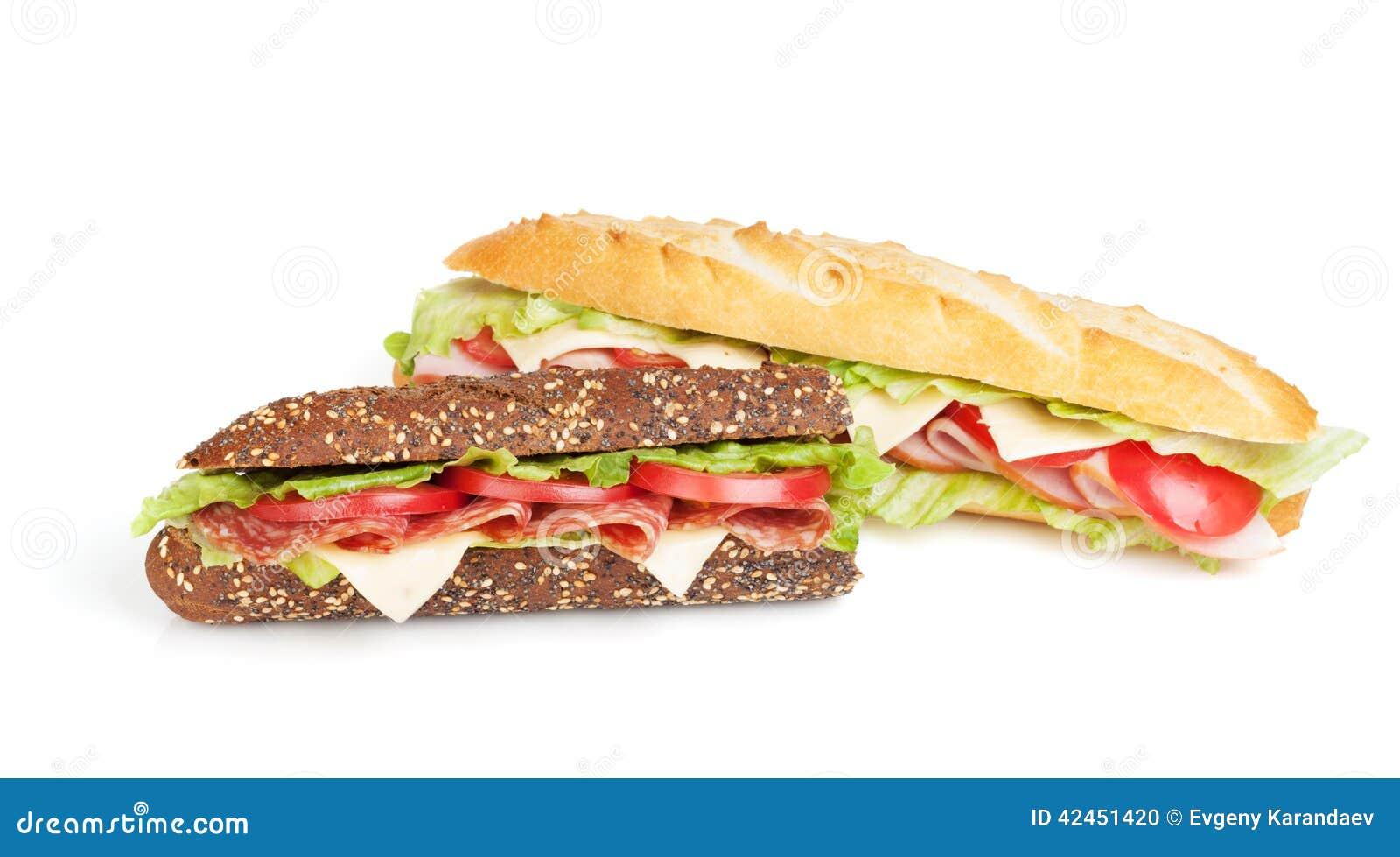 Frische Sandwiche mit Fleisch und Gemüse