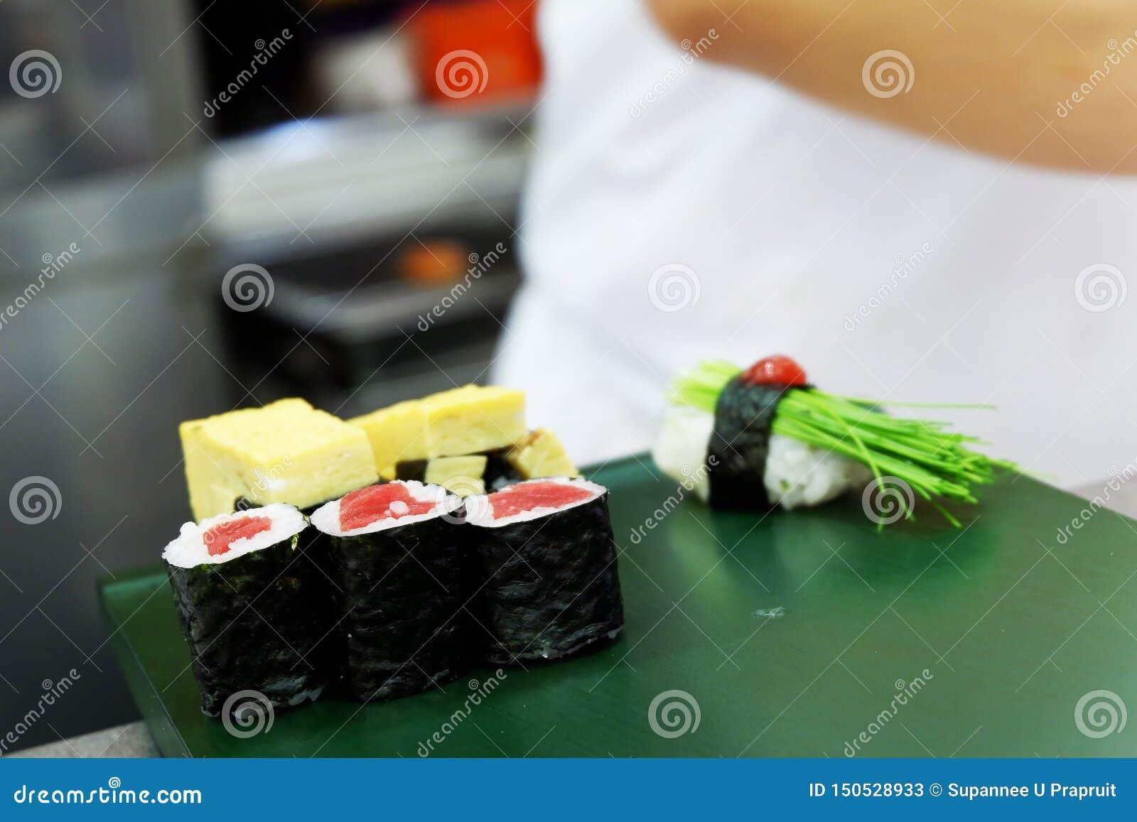Frische Thunfische des Sashimis, zum von Japanese-Nahrung zu kochen