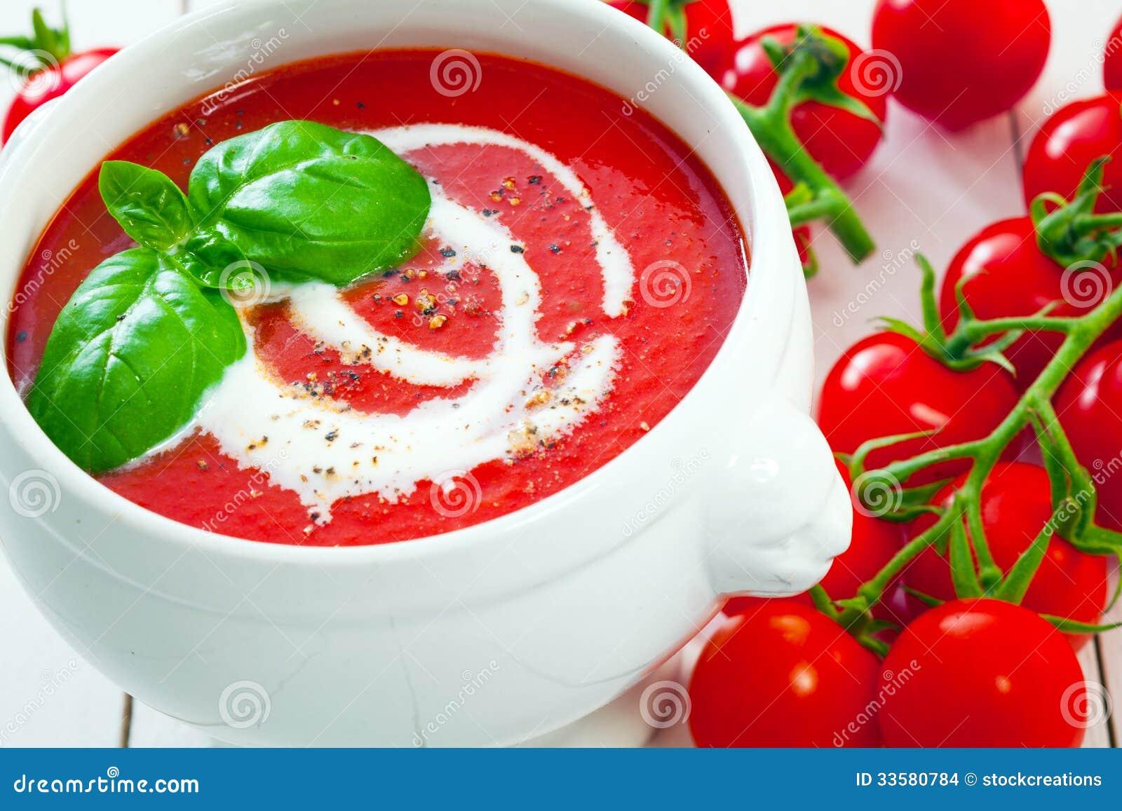 Frische Tomaten Mit Tomatensuppe Stockfoto Bild Von