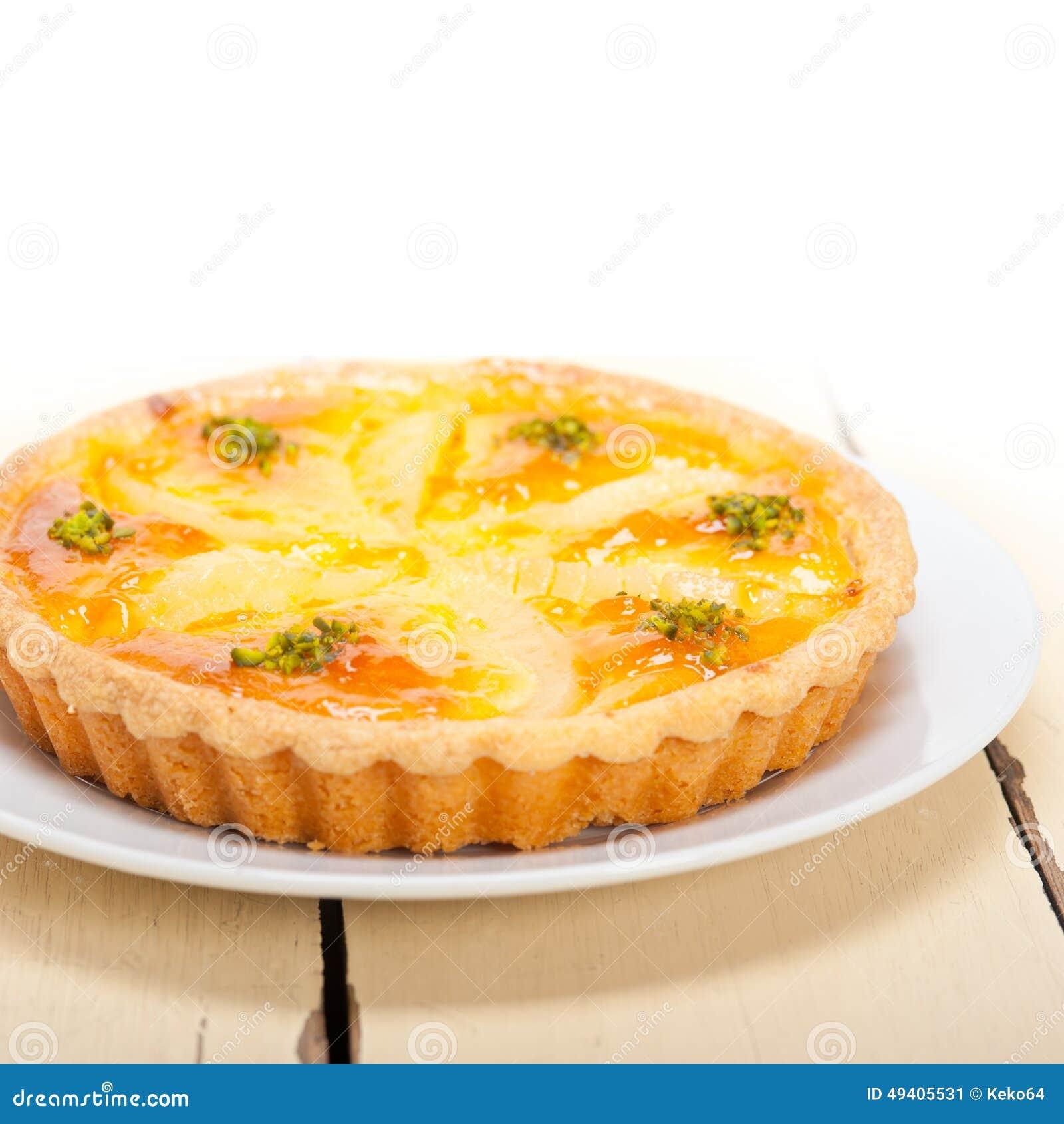 Download Frischer Birnentorten-Nachtischkuchen Stockbild - Bild von feinschmecker, platte: 49405531
