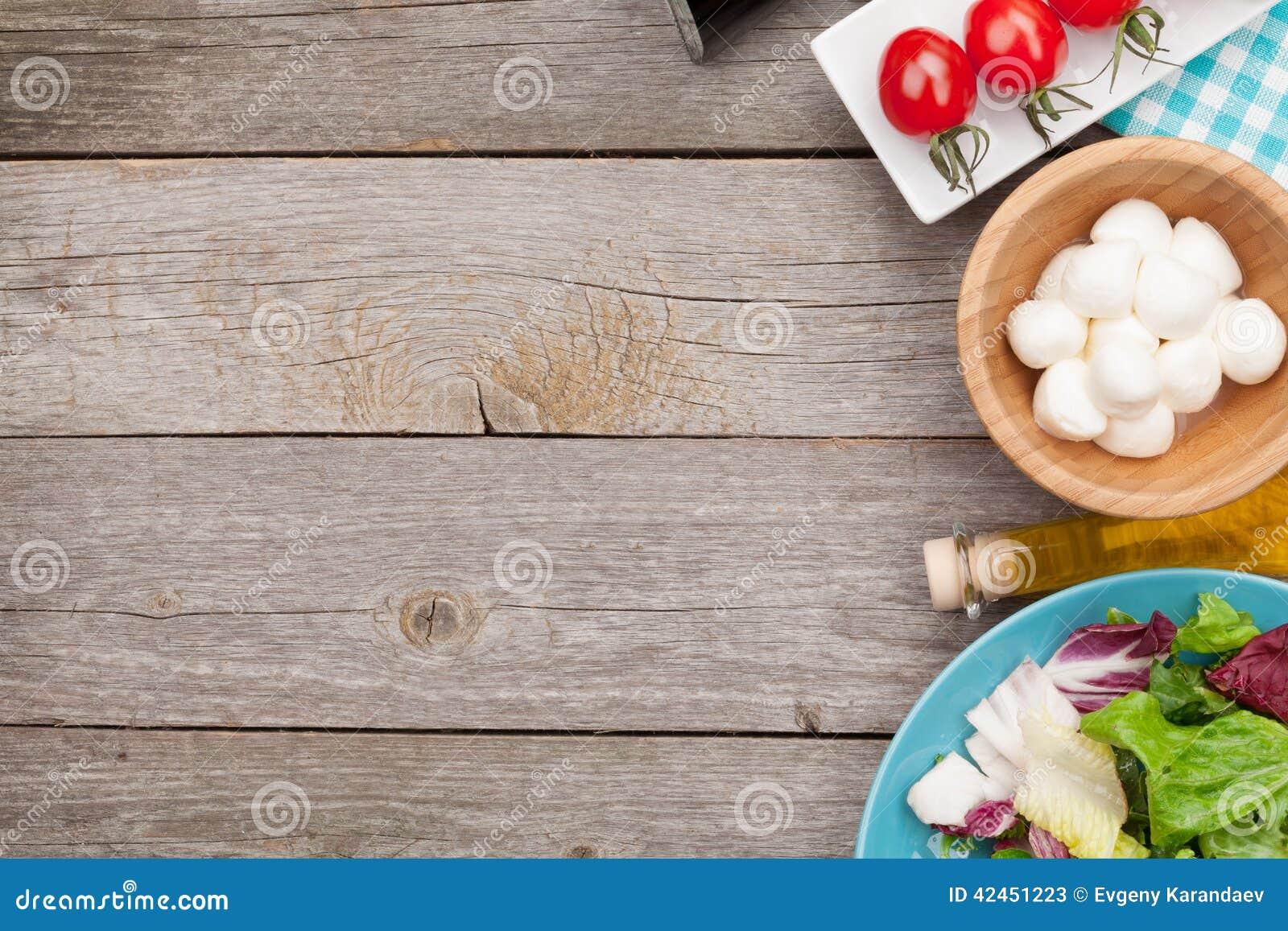 Frischer gesunder Salat, Tomaten, Mozzarella