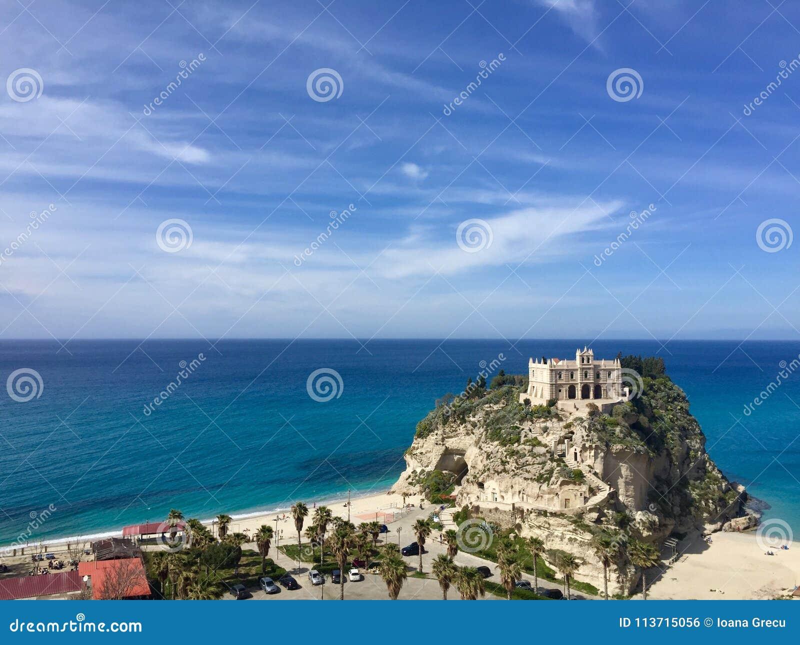 Fristad av Madonna av ön av Tropea, Italien