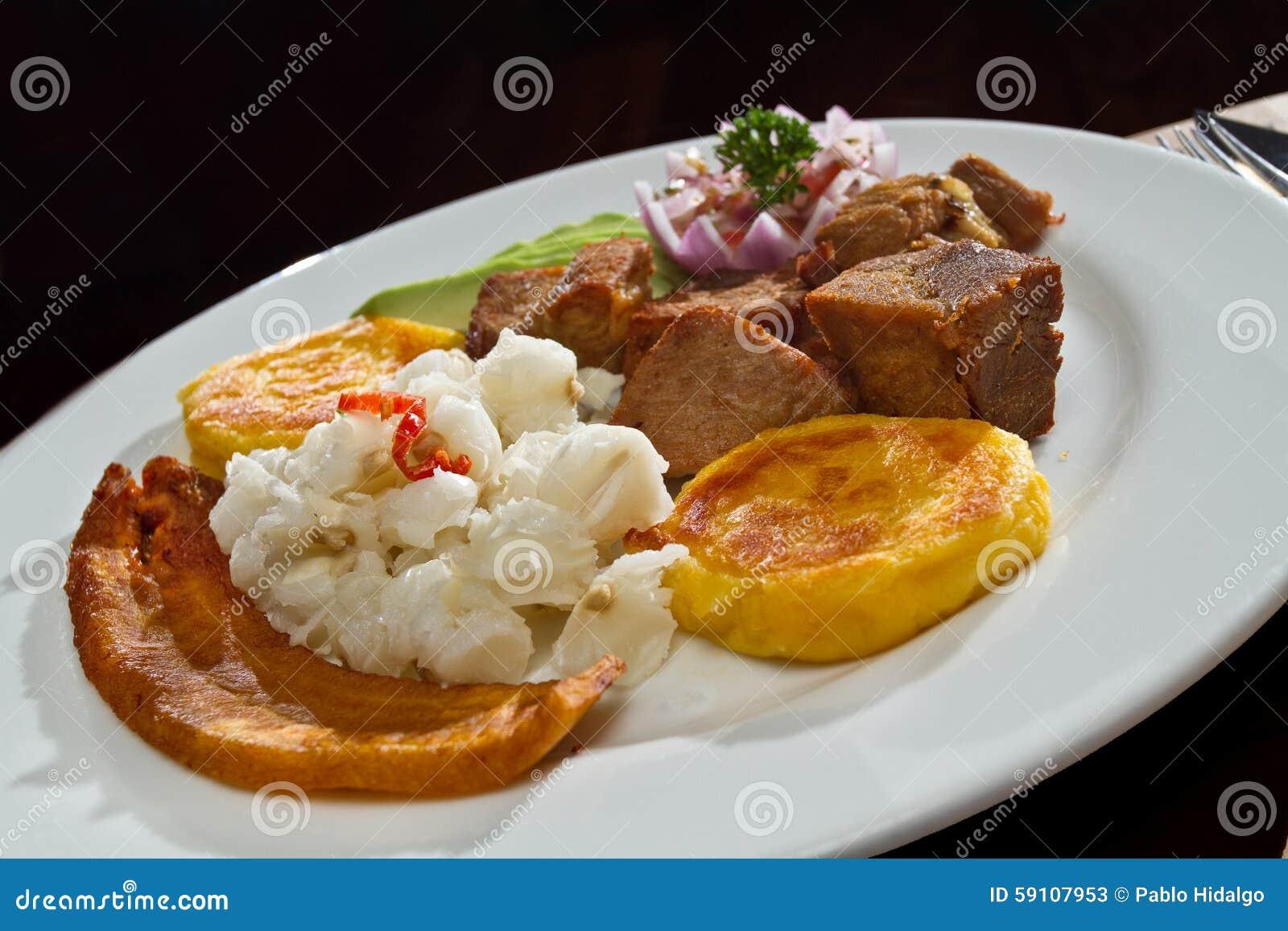 Fritada,油煎的猪肉,典型的厄瓜多尔食物