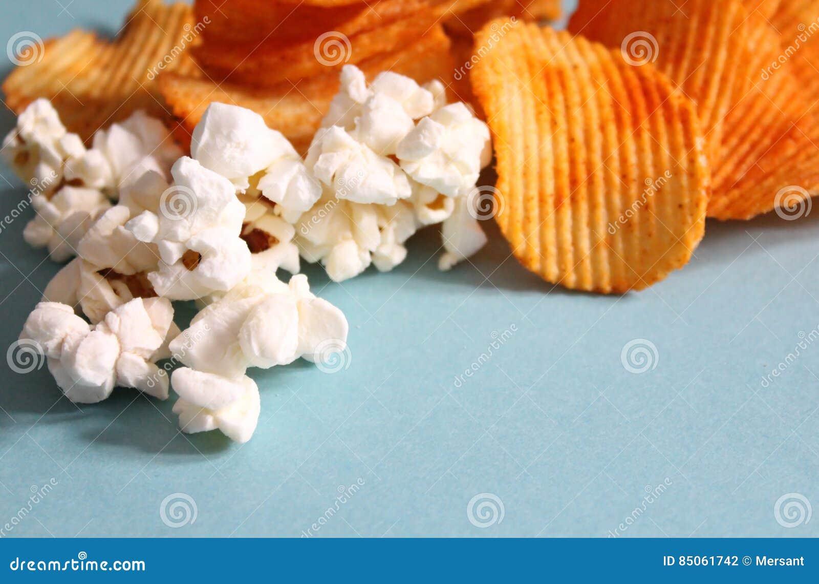 Frites et maïs éclaté