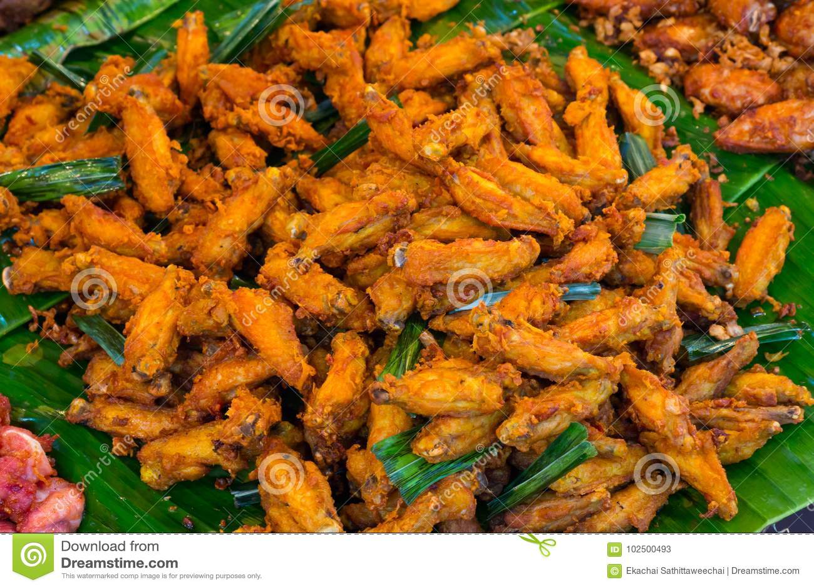 Frittierte Hühnerflügel Büffel-Hühnerflügel Würziges Lebensmittel und
