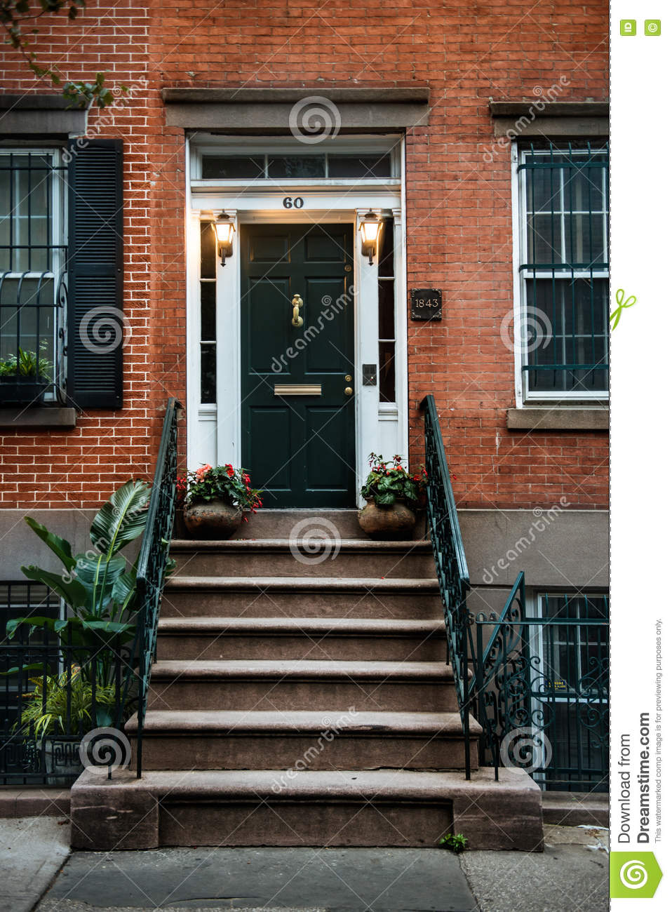 Front door of a beautiful georgian era english manhattan for Steps to building a new home