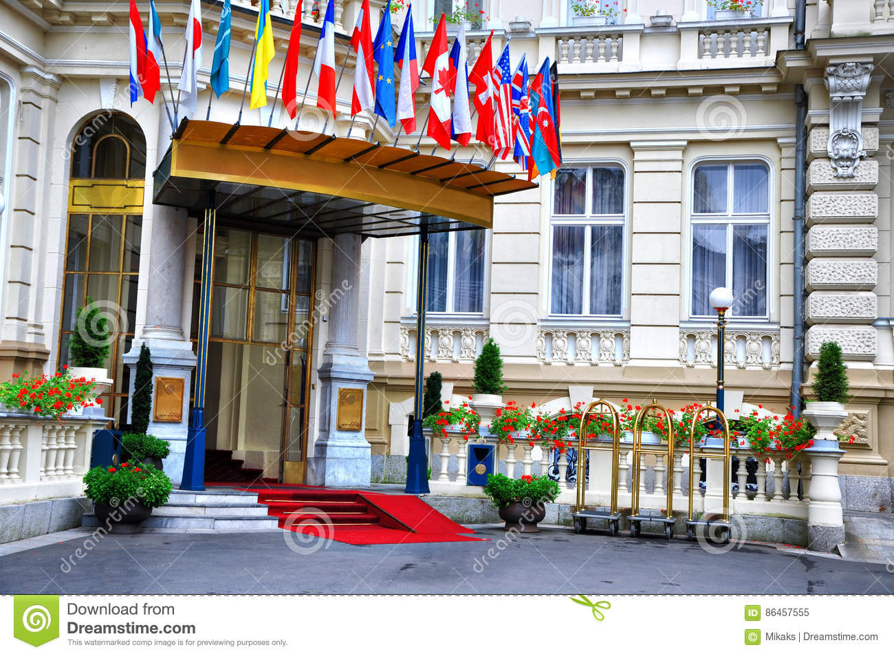 In front of the luxury five star hotel the beautiful for Five star hotels of the world