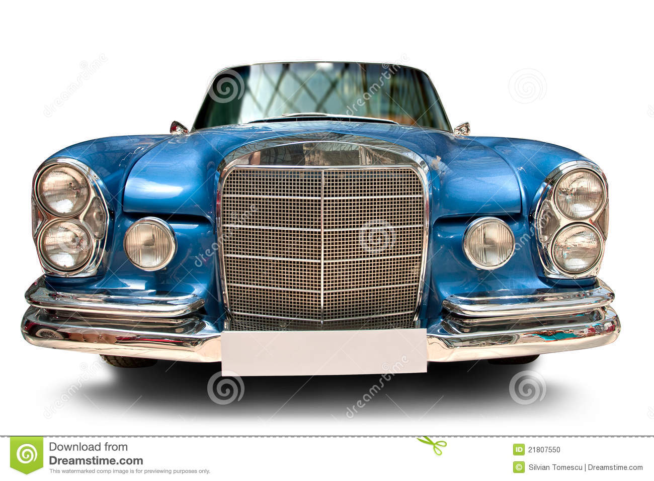 Front view of classic car with blank number plate