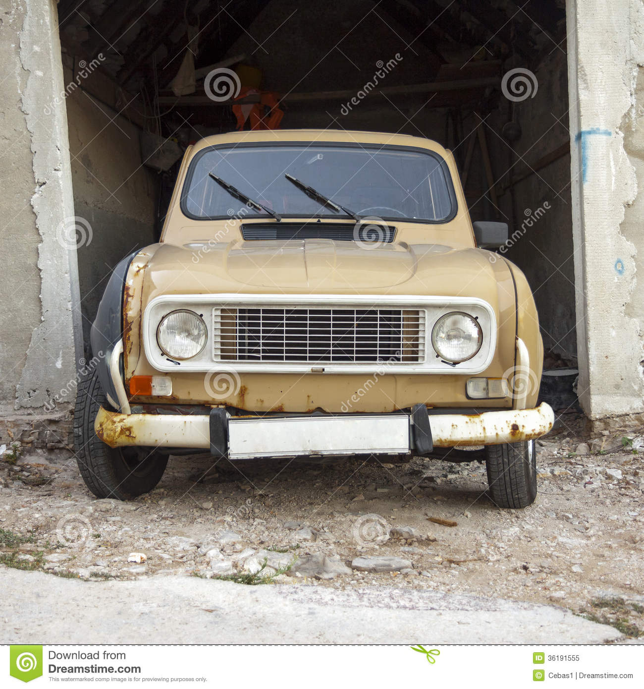 Front view of old car stock image. Image of antique, wreckage - 36191555