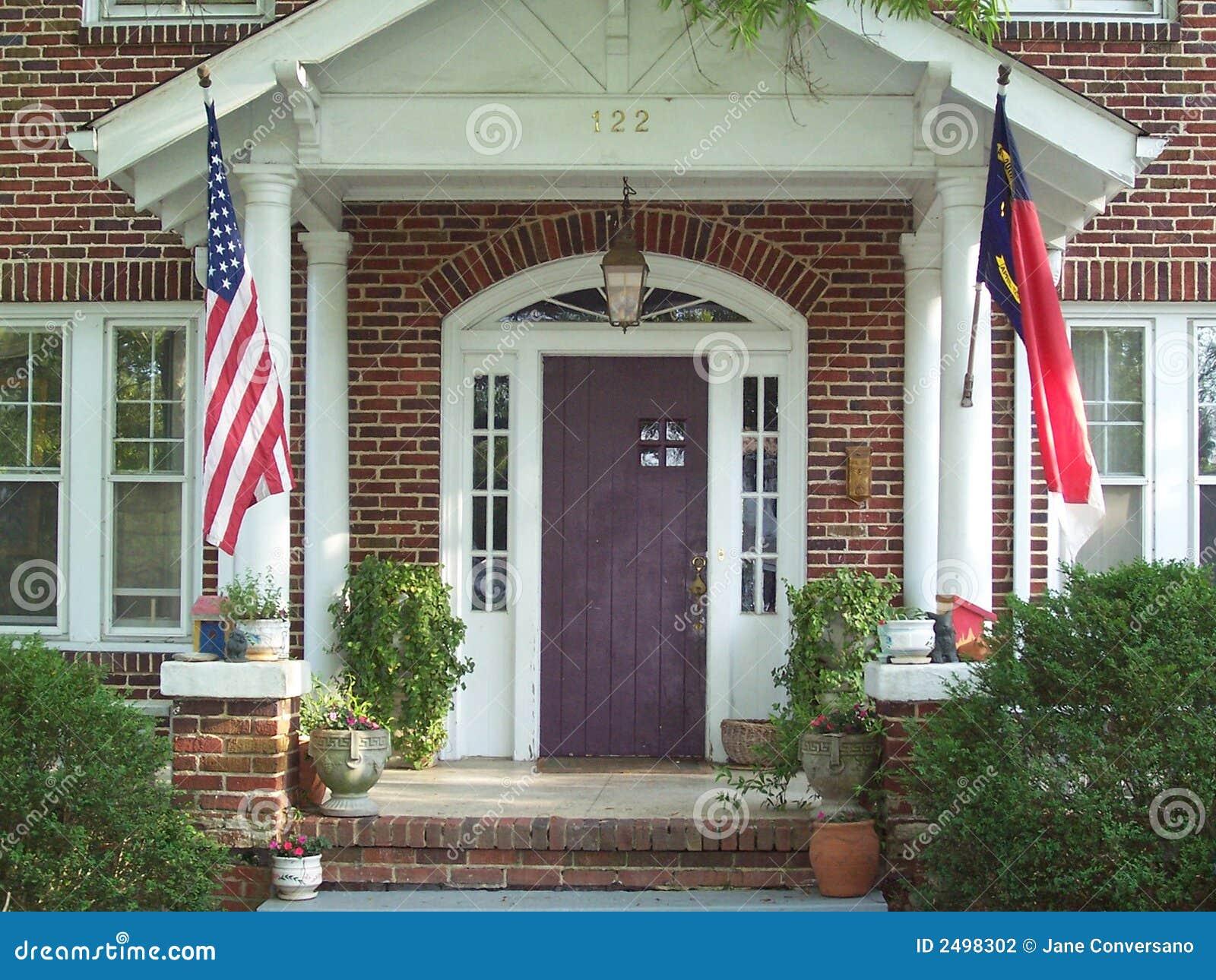 Front w domu stary werandę