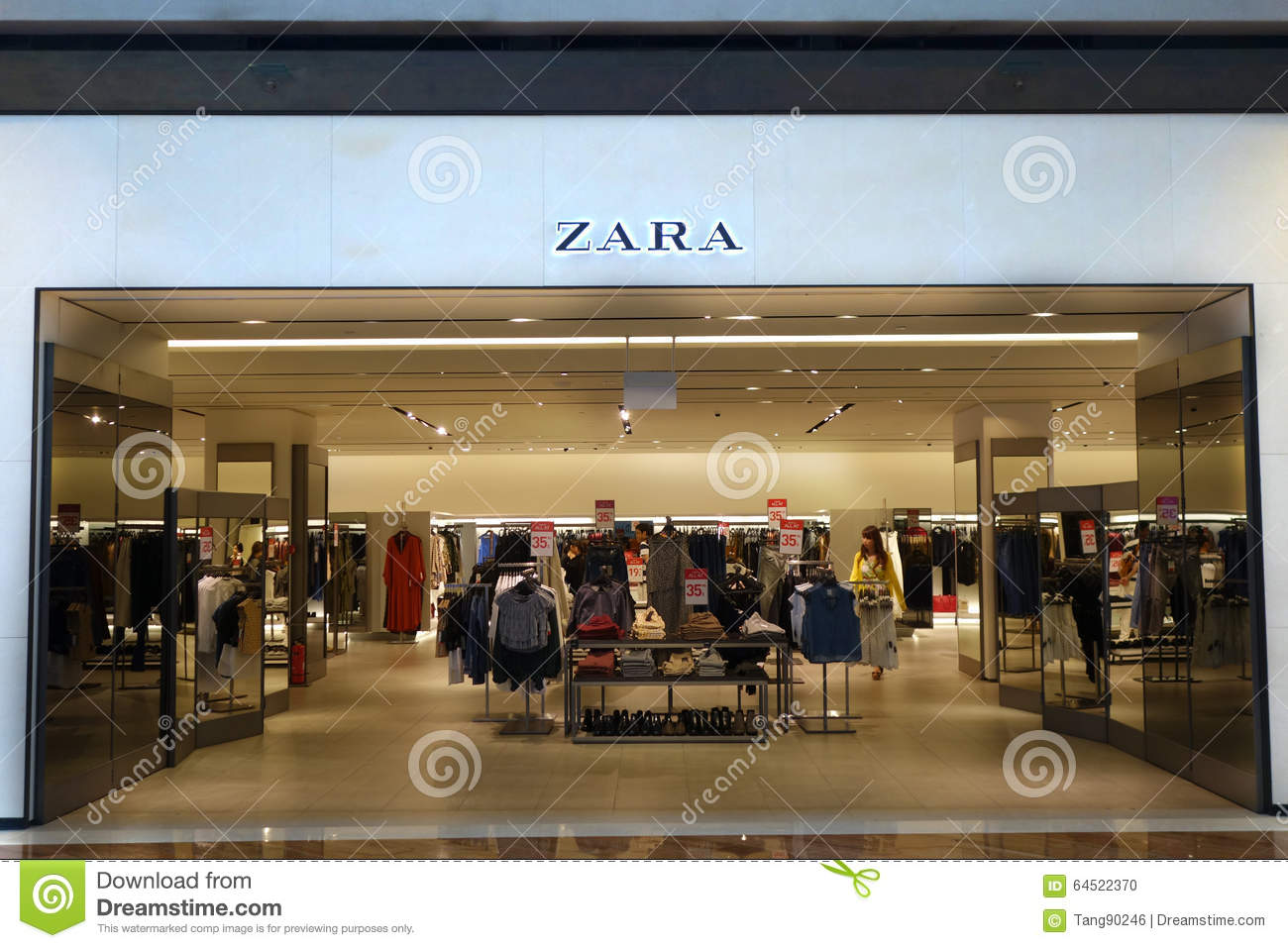 Front Zara Store Stock Images - Download 84 Royalty Free Photos b066faae56