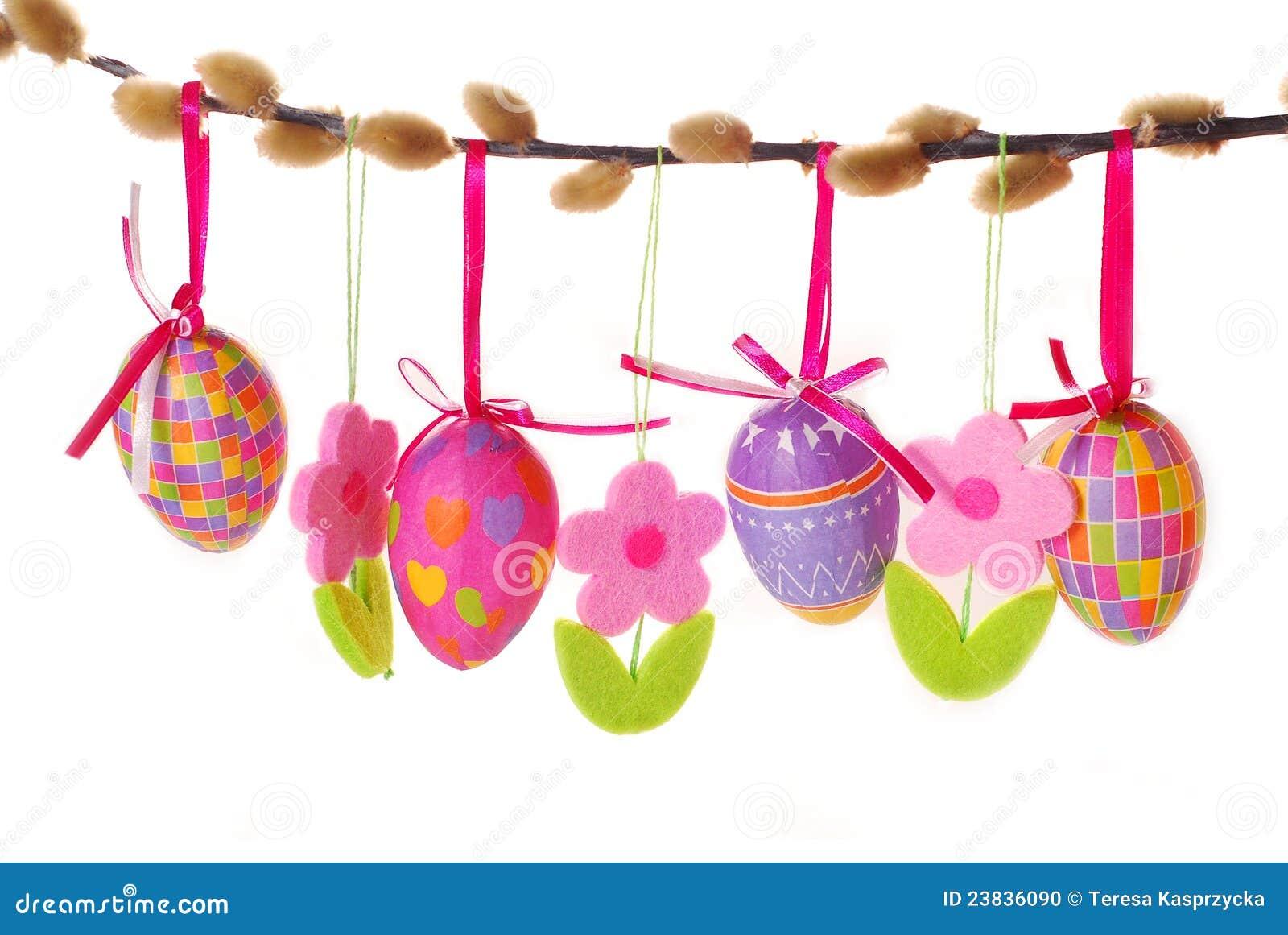 Frontera de Pascua con los huevos colgantes