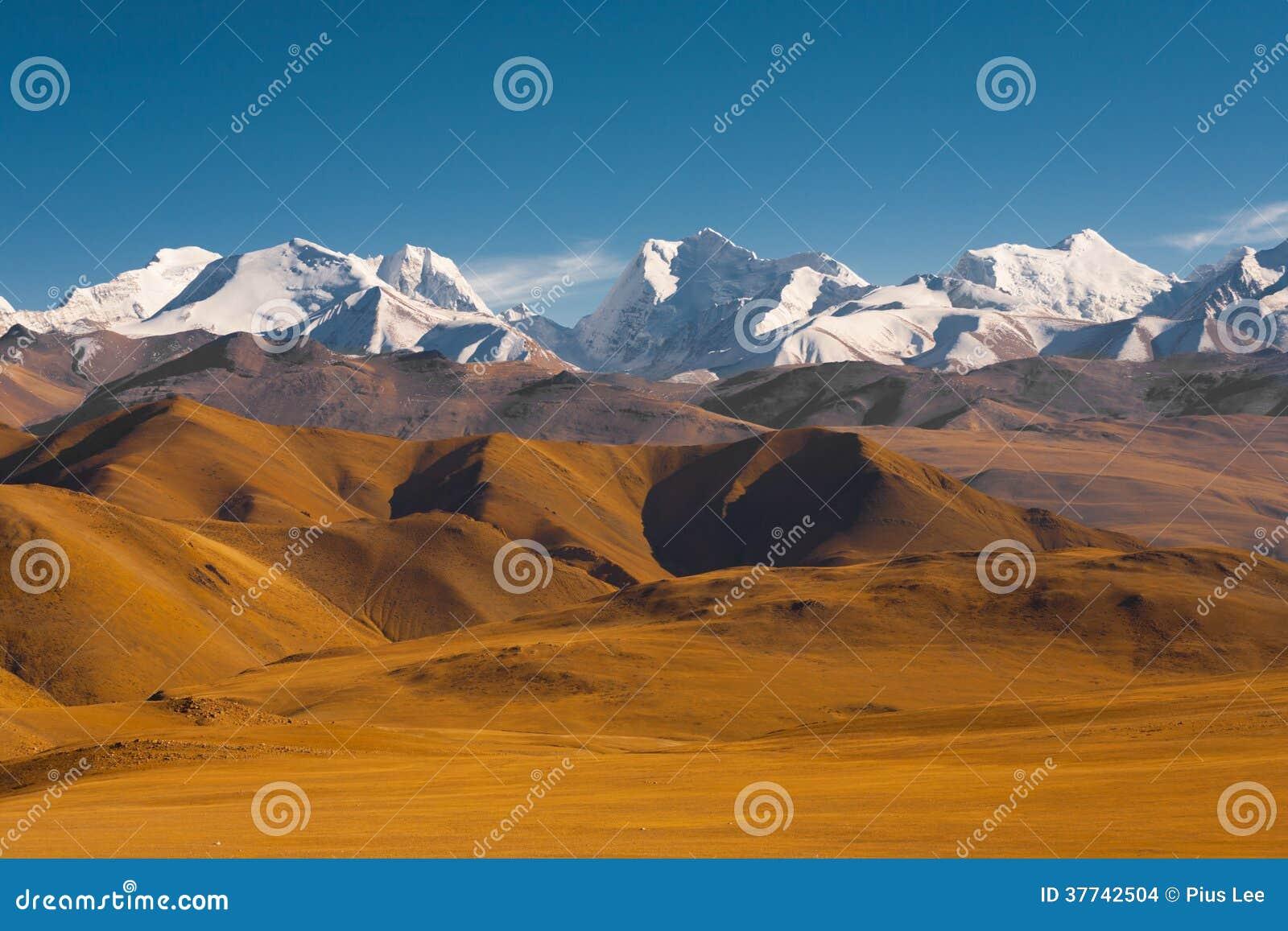 Frontière Népal Thibet de l Himalaya de terrain montagneux