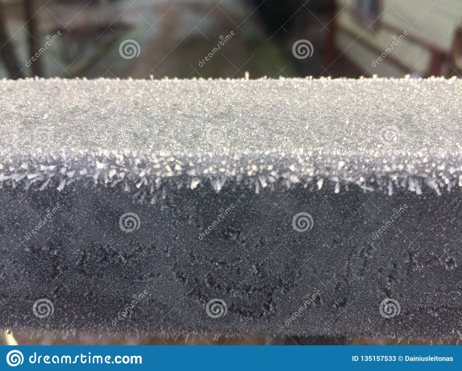 Frost on metall