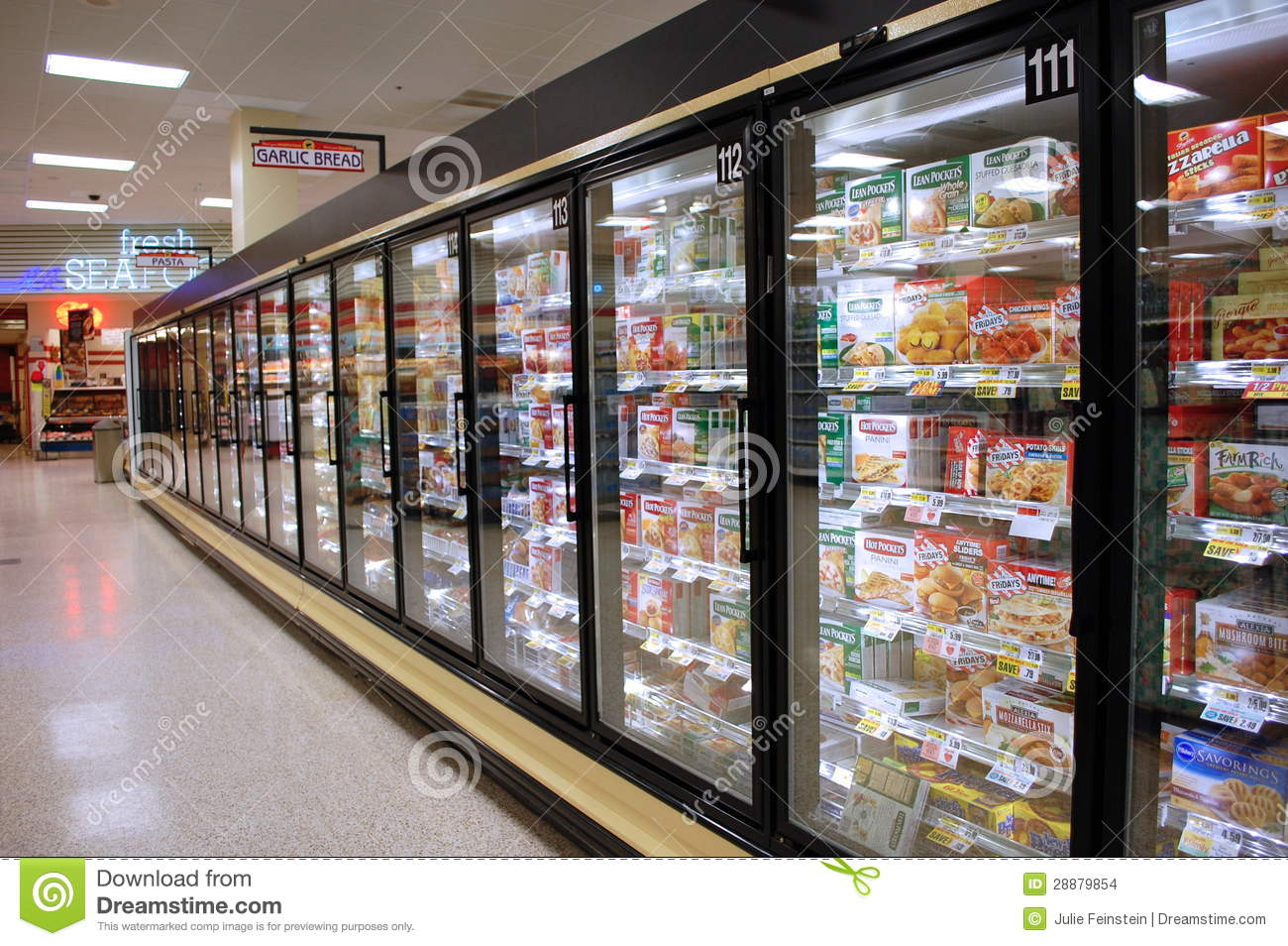 Frozen Food Aisle Editorial Stock Image - Image: 28879854