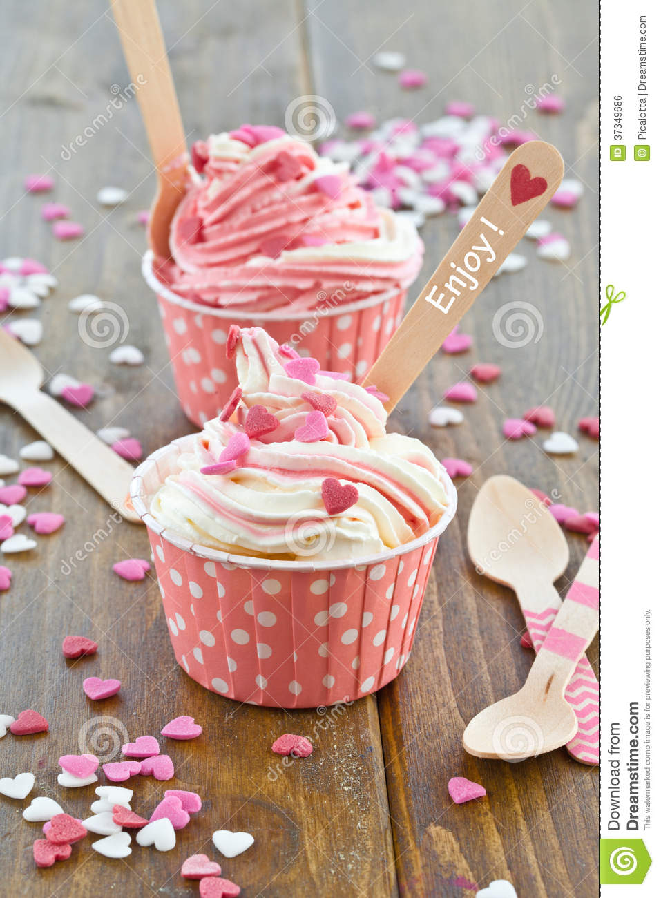Frozen Yogurt with sugar hearts