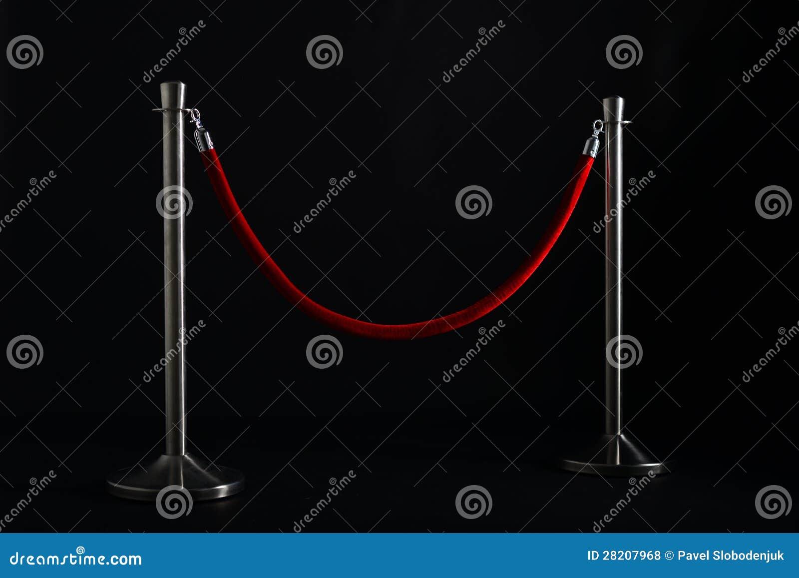 Försilvra stolpar med ett rött rep royaltyfria foton   bild: 28207968