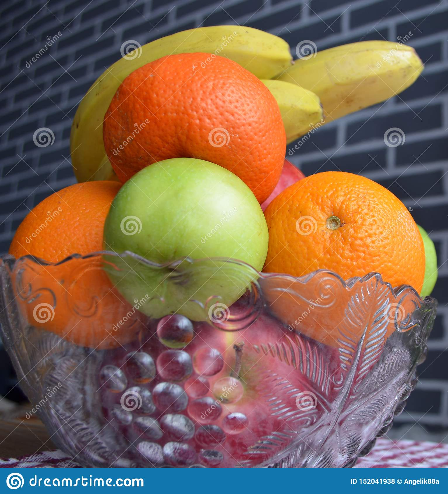 Frucht in einem Vase Gesund