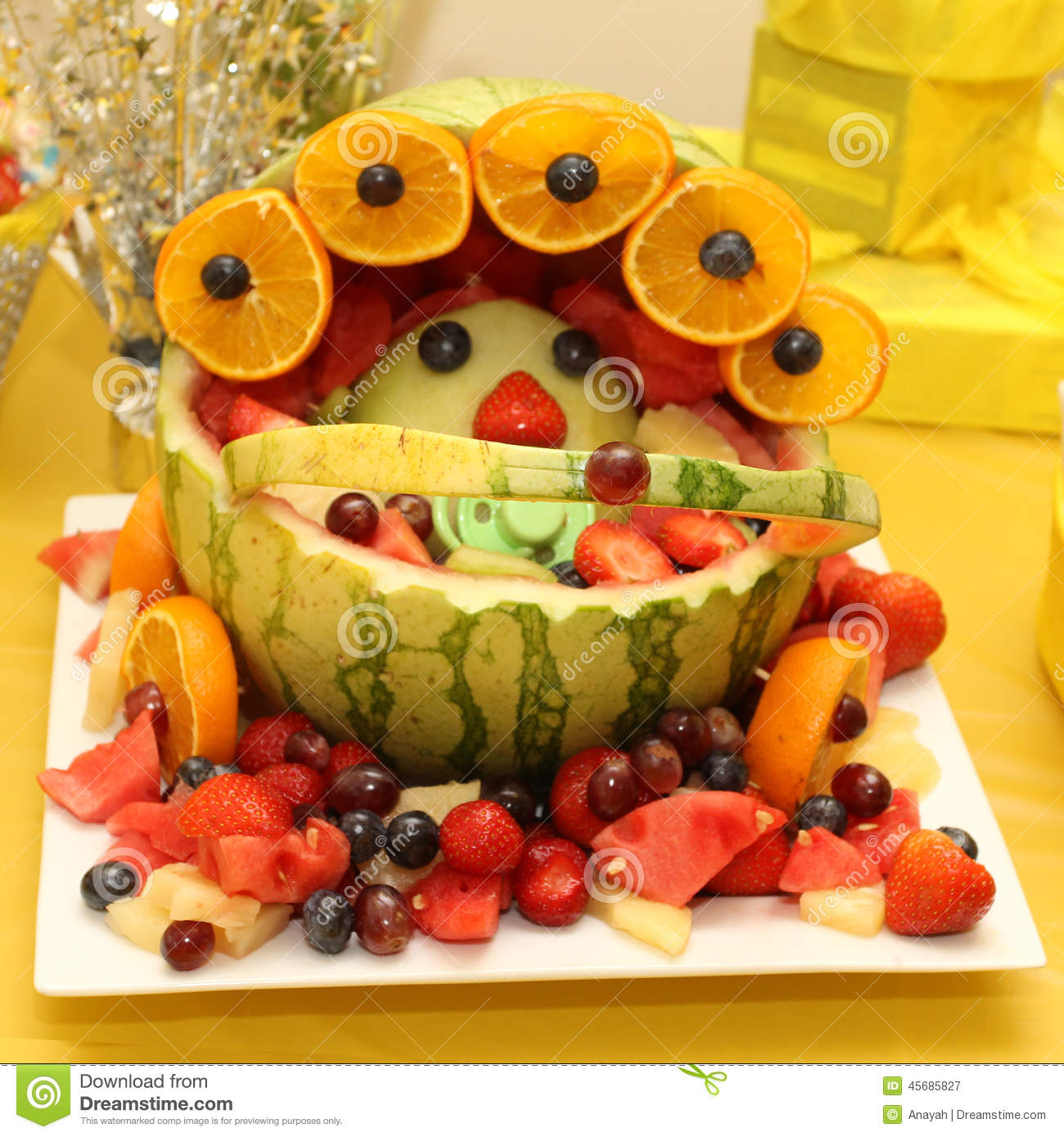 How To Make Baby Shower Fruit Carriage Baby Shower Fruit Basket ...