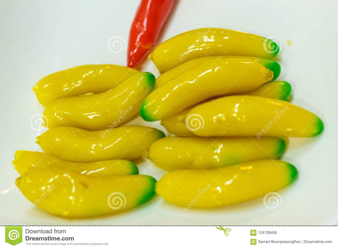 Fruit desserts Thailand Made of soy Then coated jelly