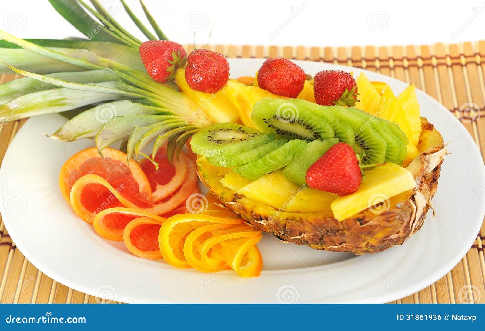fruit frais ananas fraises kiwi pamplemousse orange image libre de droits image 31861936. Black Bedroom Furniture Sets. Home Design Ideas