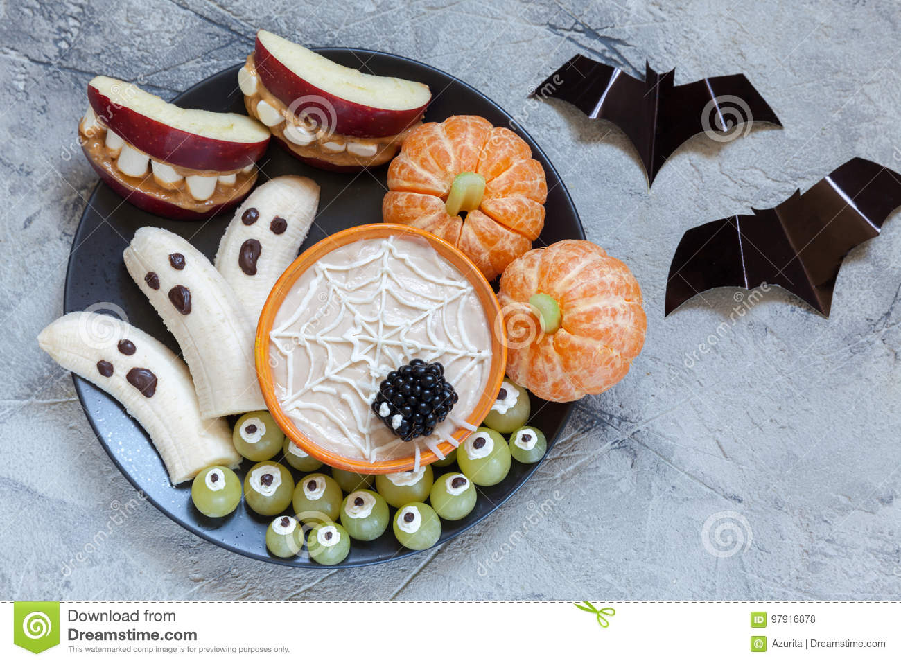 Download Fruit Halloween Treats. Banana Ghosts And Clementine Orange Pumpkins, Apple Monster Mounts And Spider Web Stock Photo - Image of creative, food: 97916878
