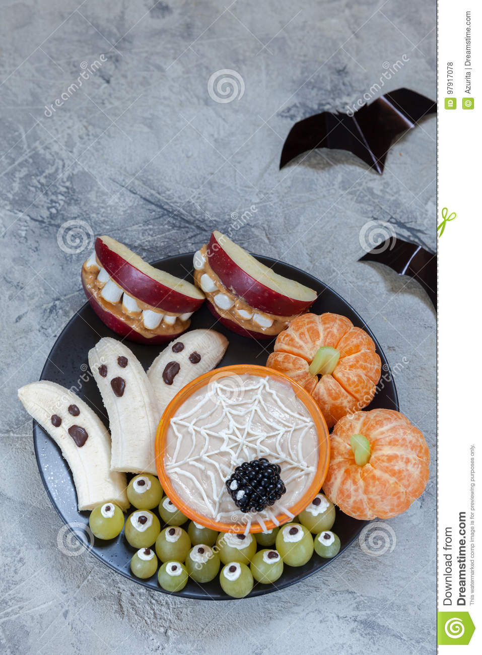 Download Fruit Halloween Treats. Banana Ghosts And Clementine Orange Pumpkins, Apple Monster Mounts And Spider Web Stock Photo - Image of delicious, apple: 97917078