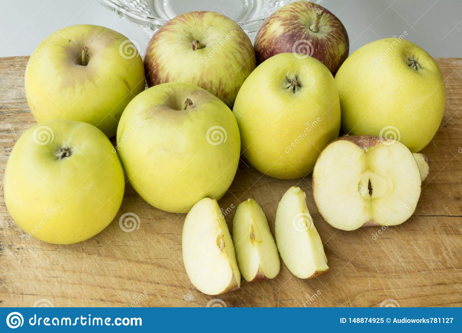 Fruit with a high energy content and dietary fiber
