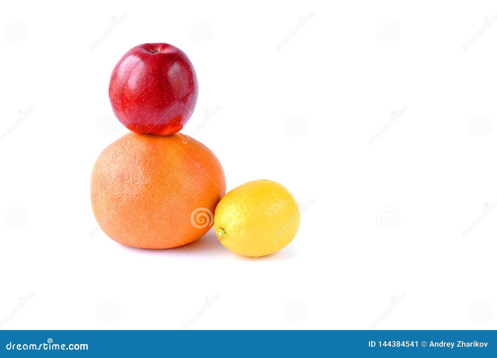 Fruit op een witte achtergrond Apple, grapefruit, citroen