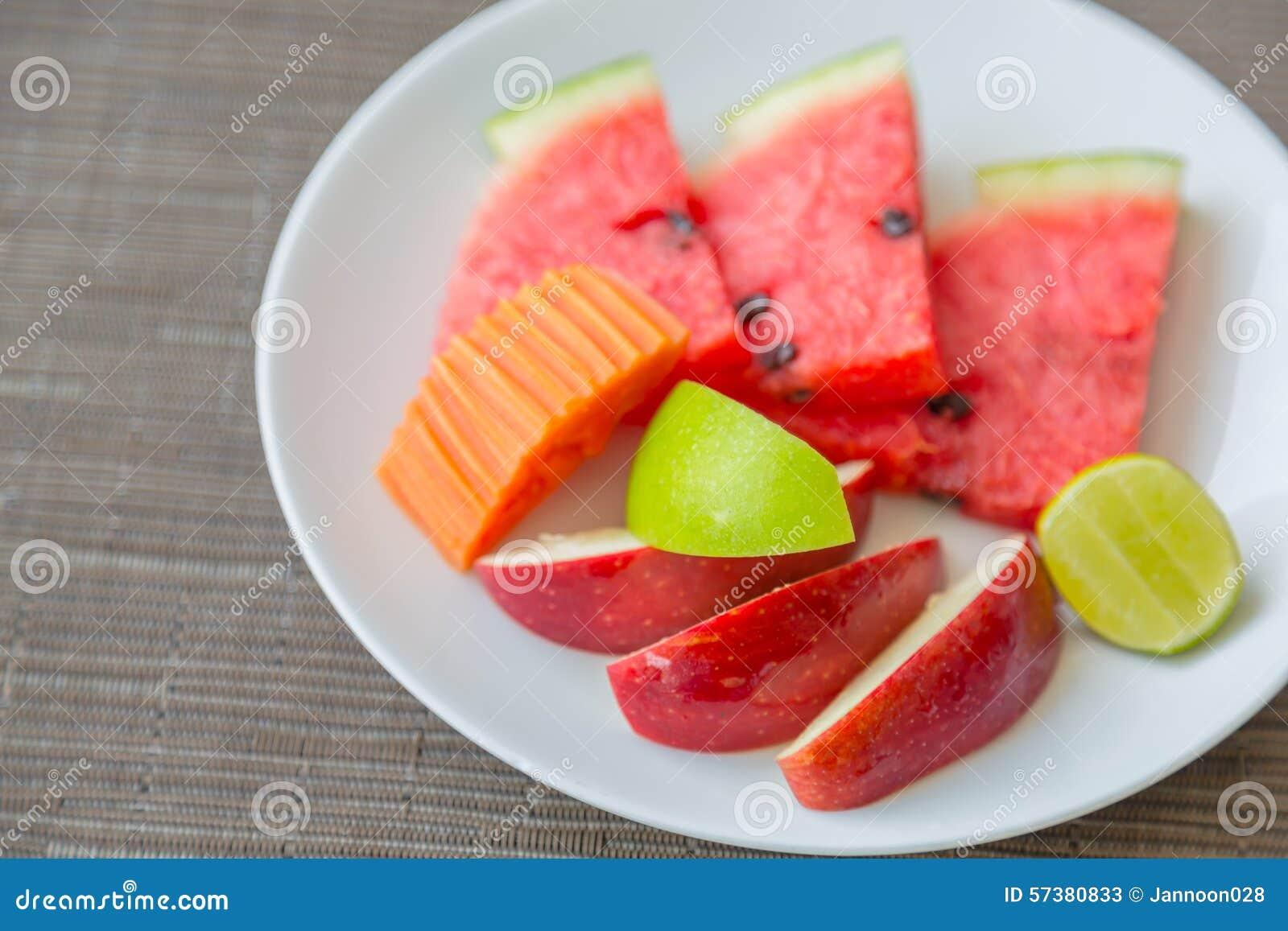 Fruit op plaat
