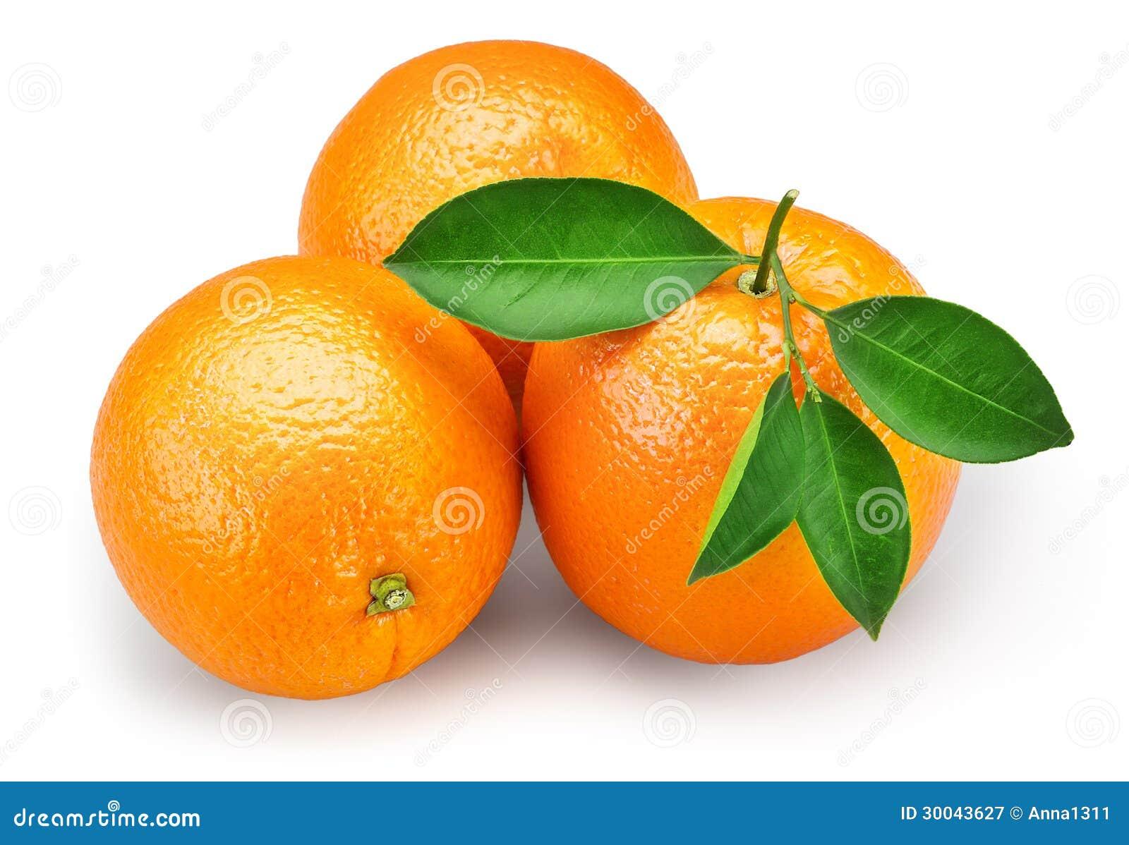 fruit orange avec des feuilles d 39 isolement sur le fond la coupure blancs photographie stock. Black Bedroom Furniture Sets. Home Design Ideas