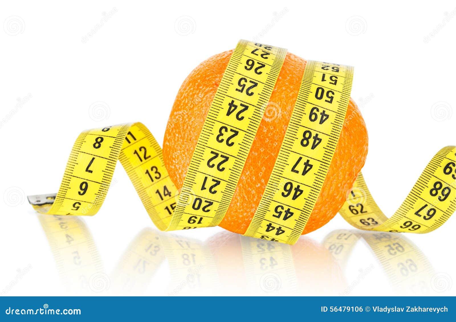 Fruit orange avec la mesure