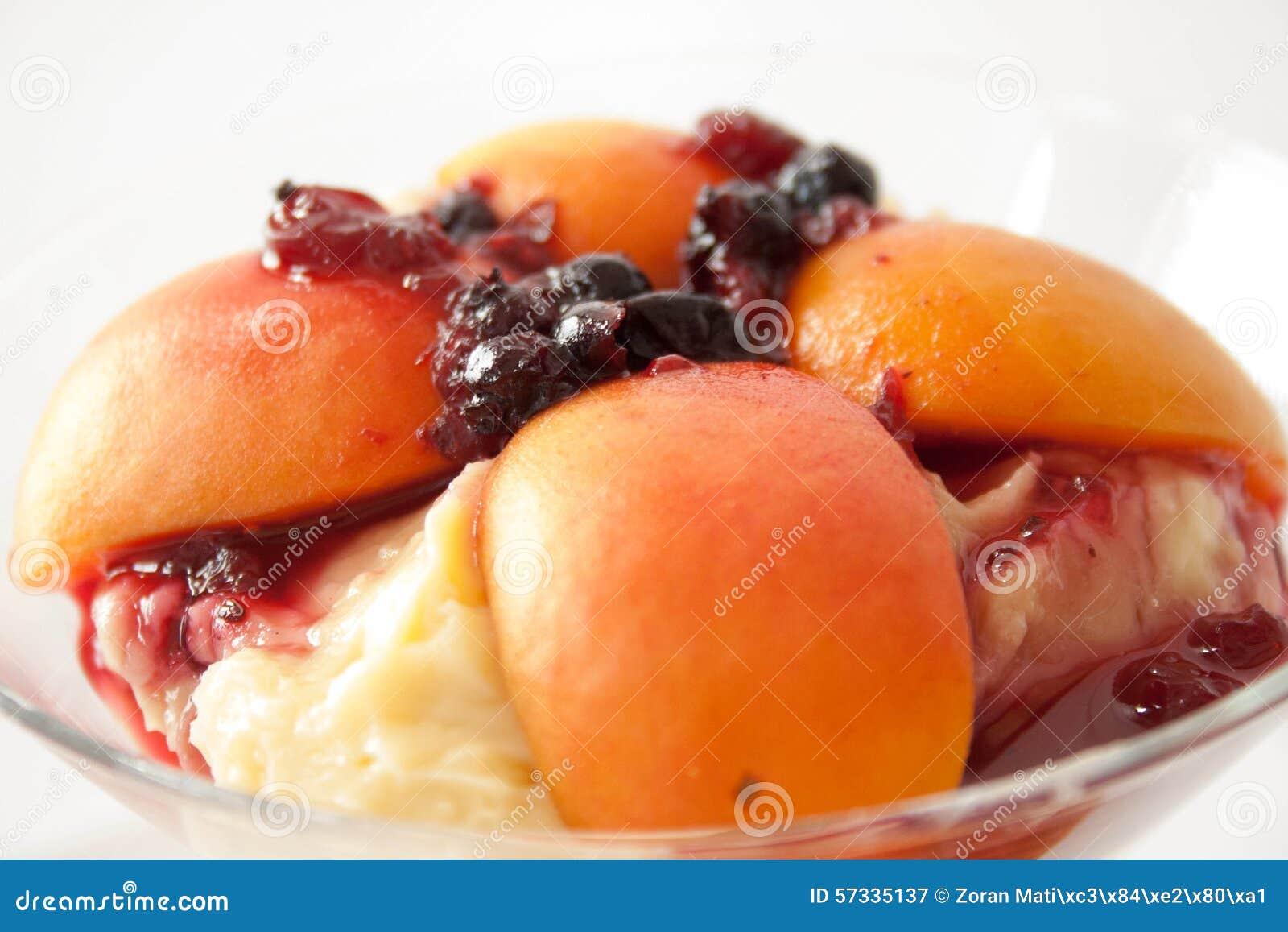 Fruitcocktail met abrikozen