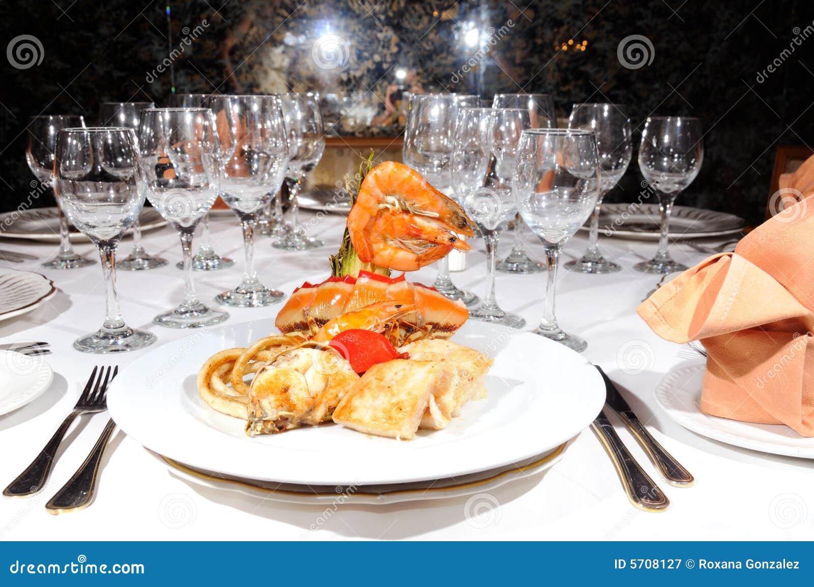 Fruits de mer sur le restaurant luxe image stock