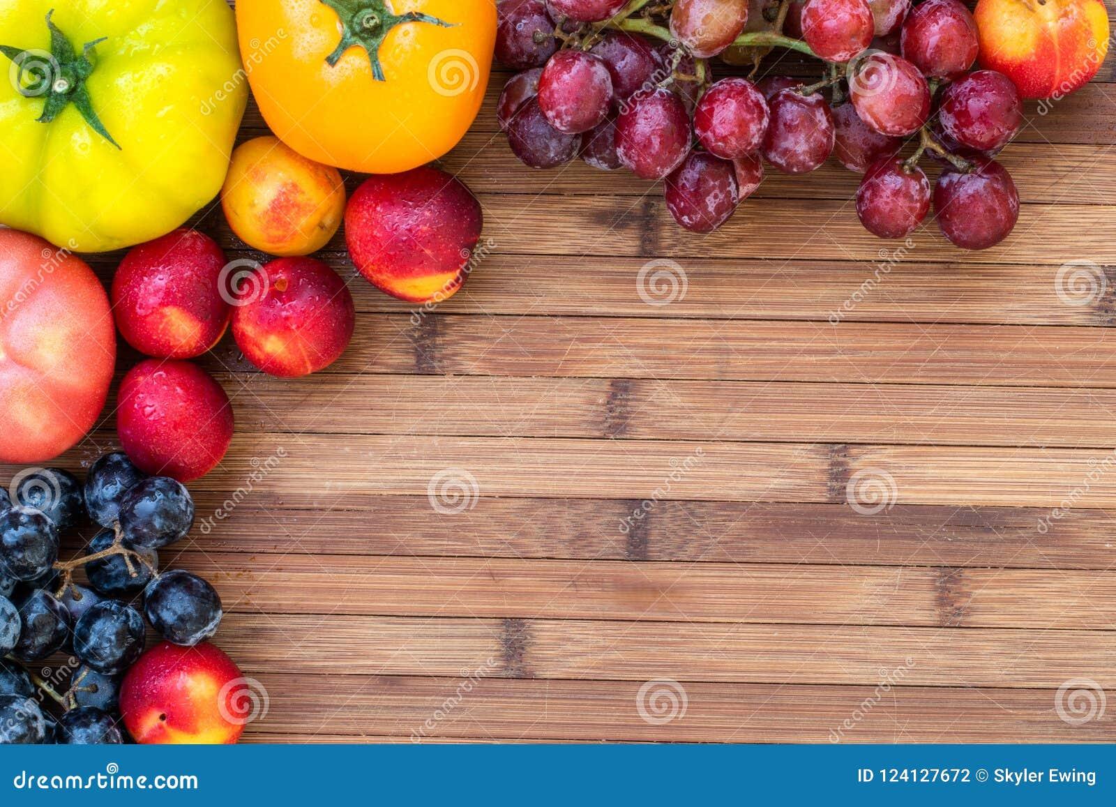 Fruits et légumes d automne une table en bois
