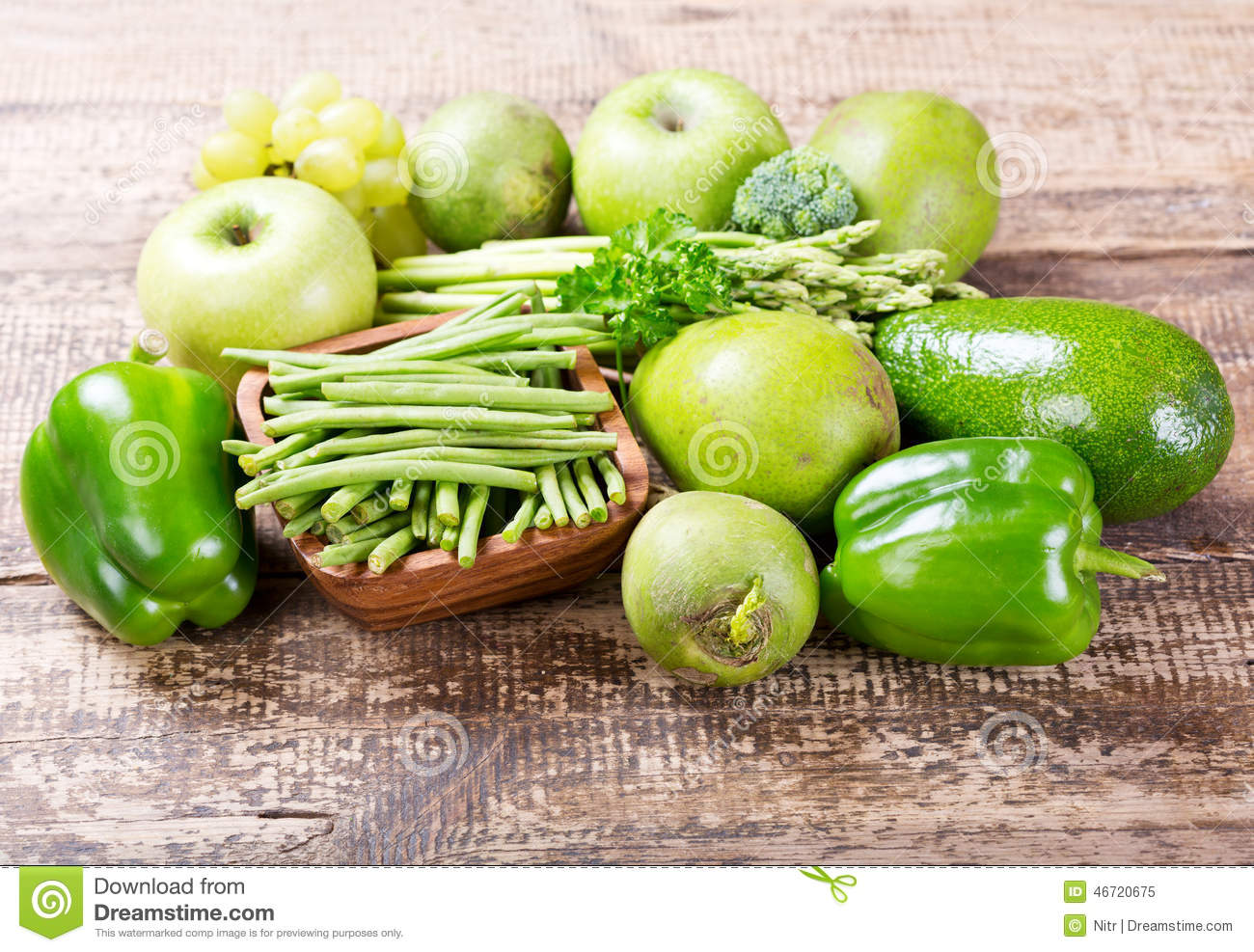 fruits et l gumes verts photo stock image 46720675. Black Bedroom Furniture Sets. Home Design Ideas