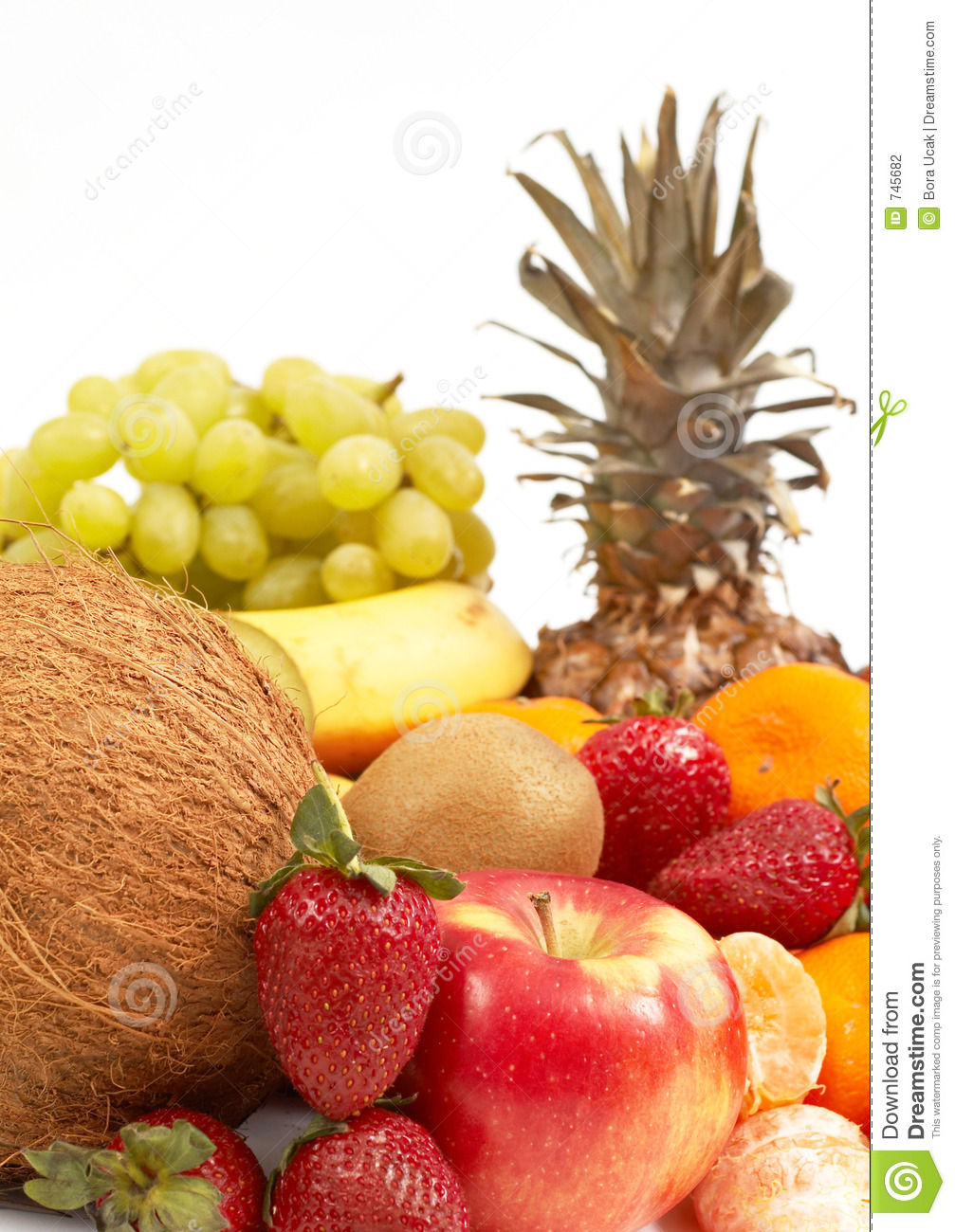 Fruits sur le blanc