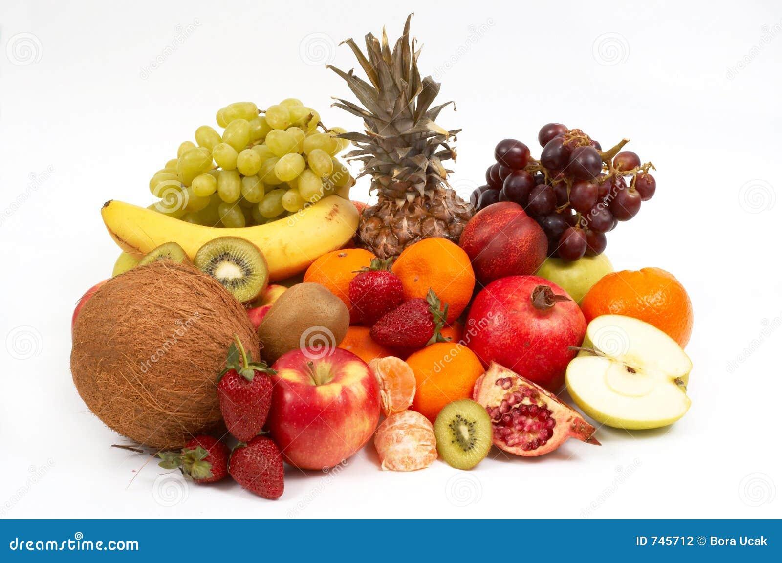 Fruits sur le blanc