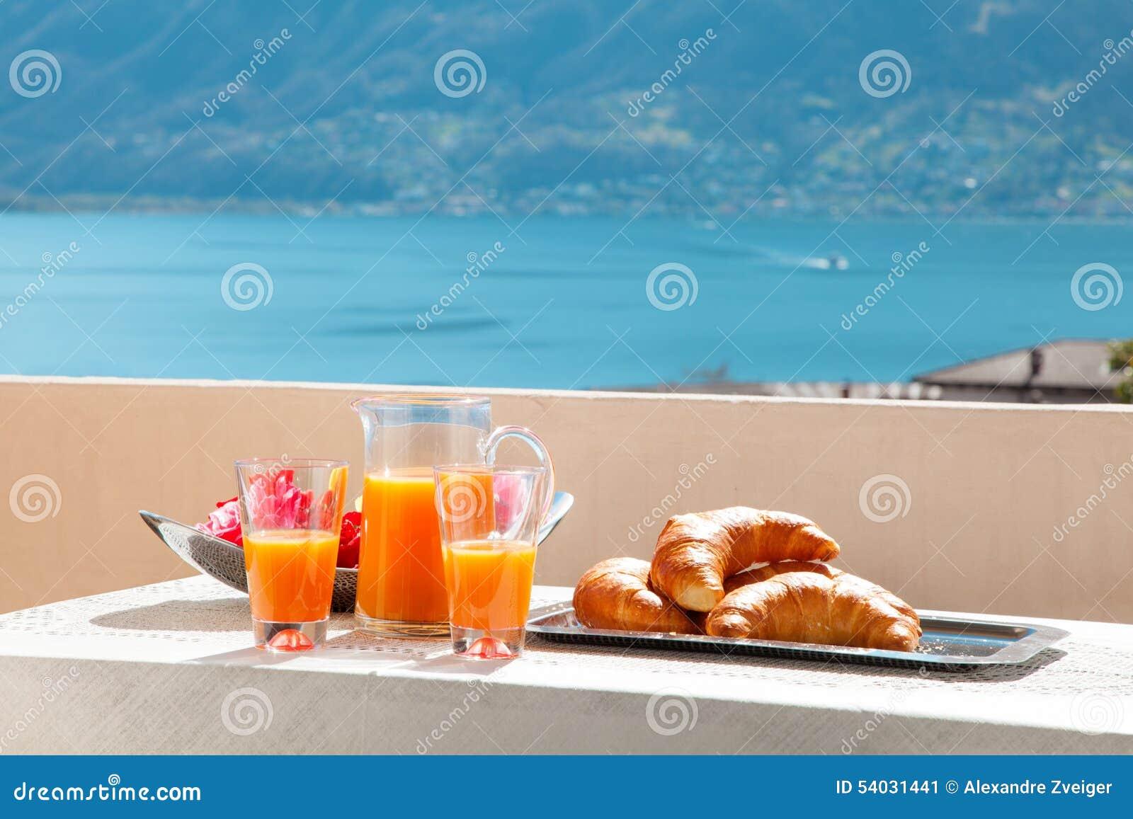 Frukost på balkongen, utomhus