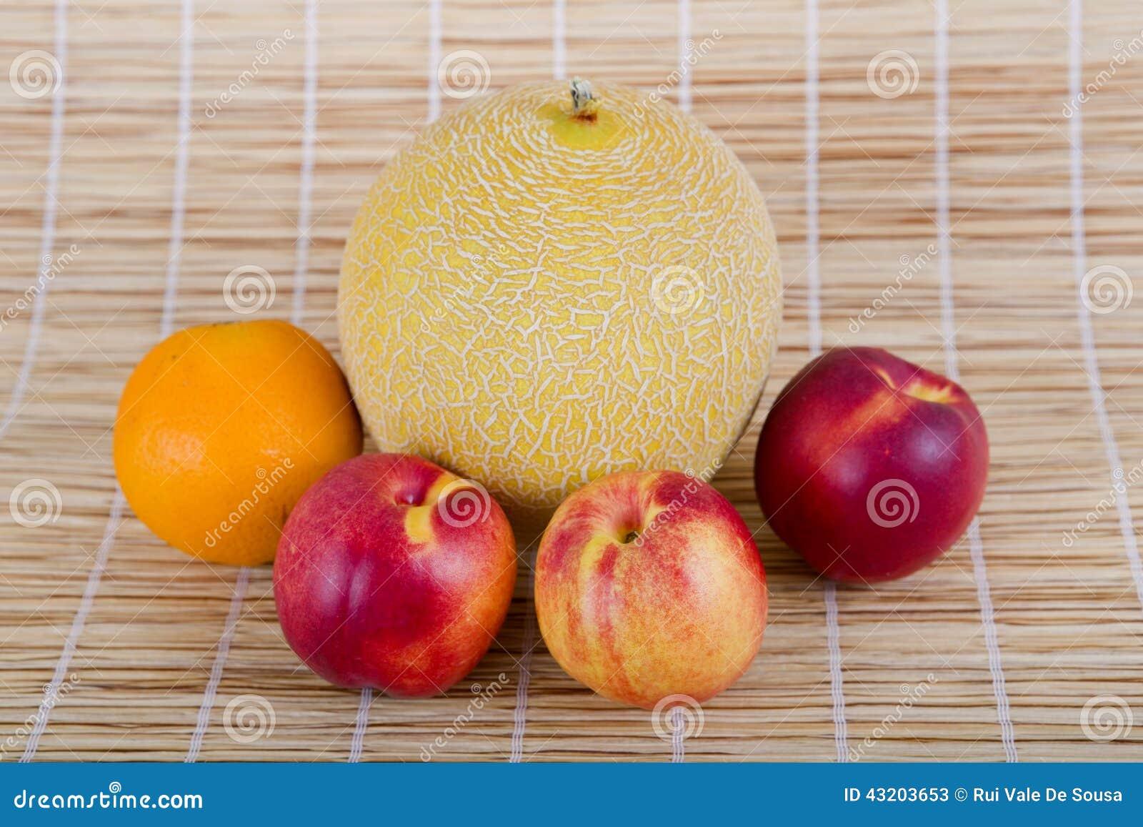Download Frukter fotografering för bildbyråer. Bild av marknad - 43203653