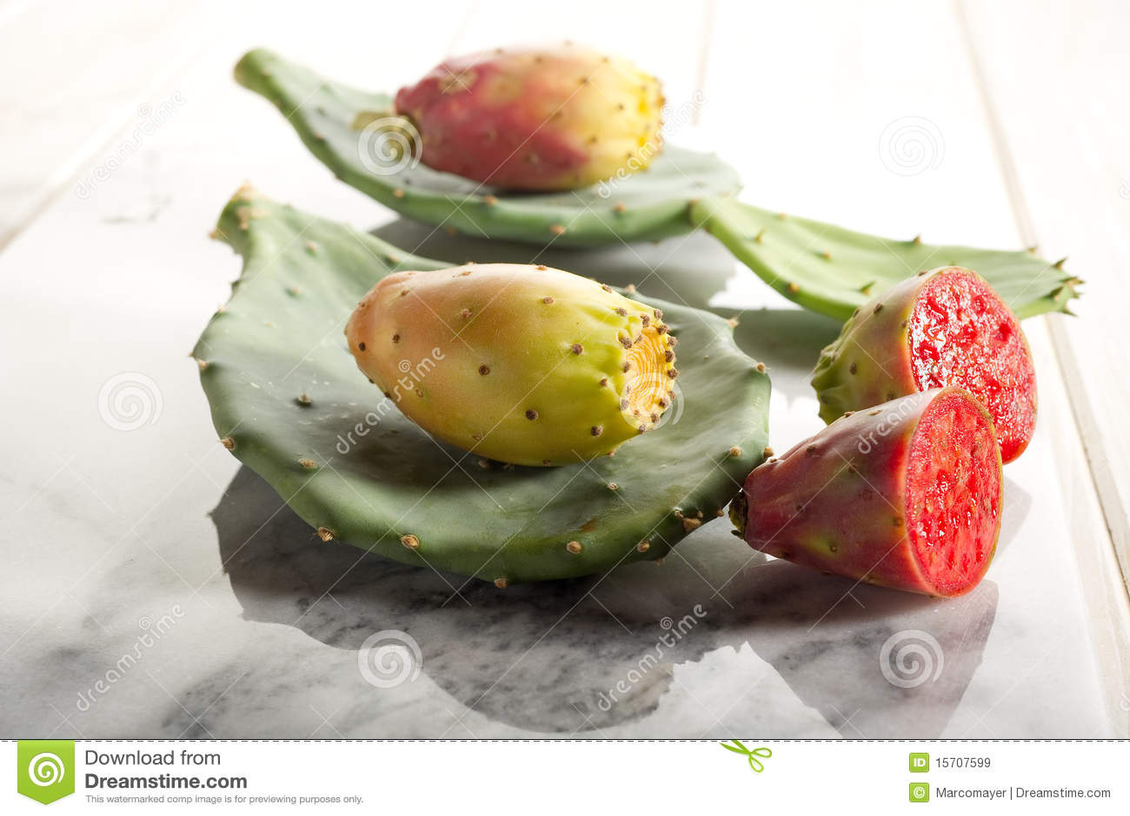 Fruta de la pera espinosa