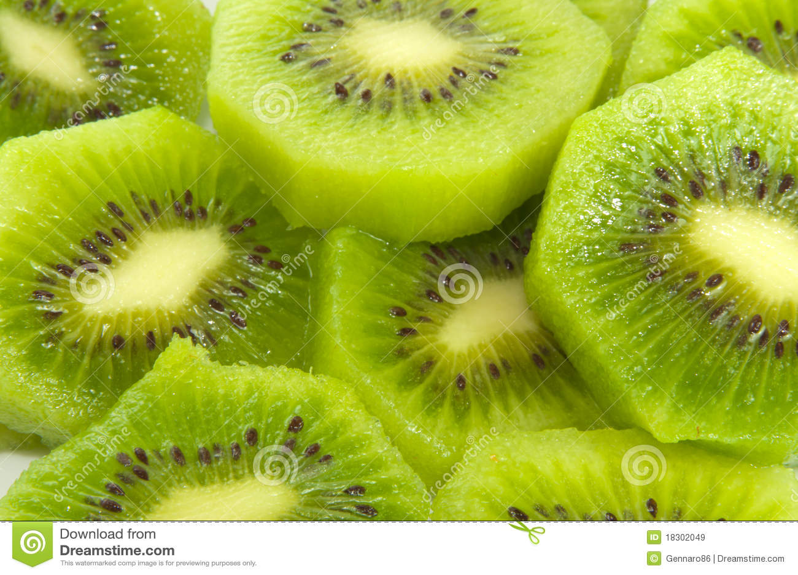 Fruta de quivi cortada
