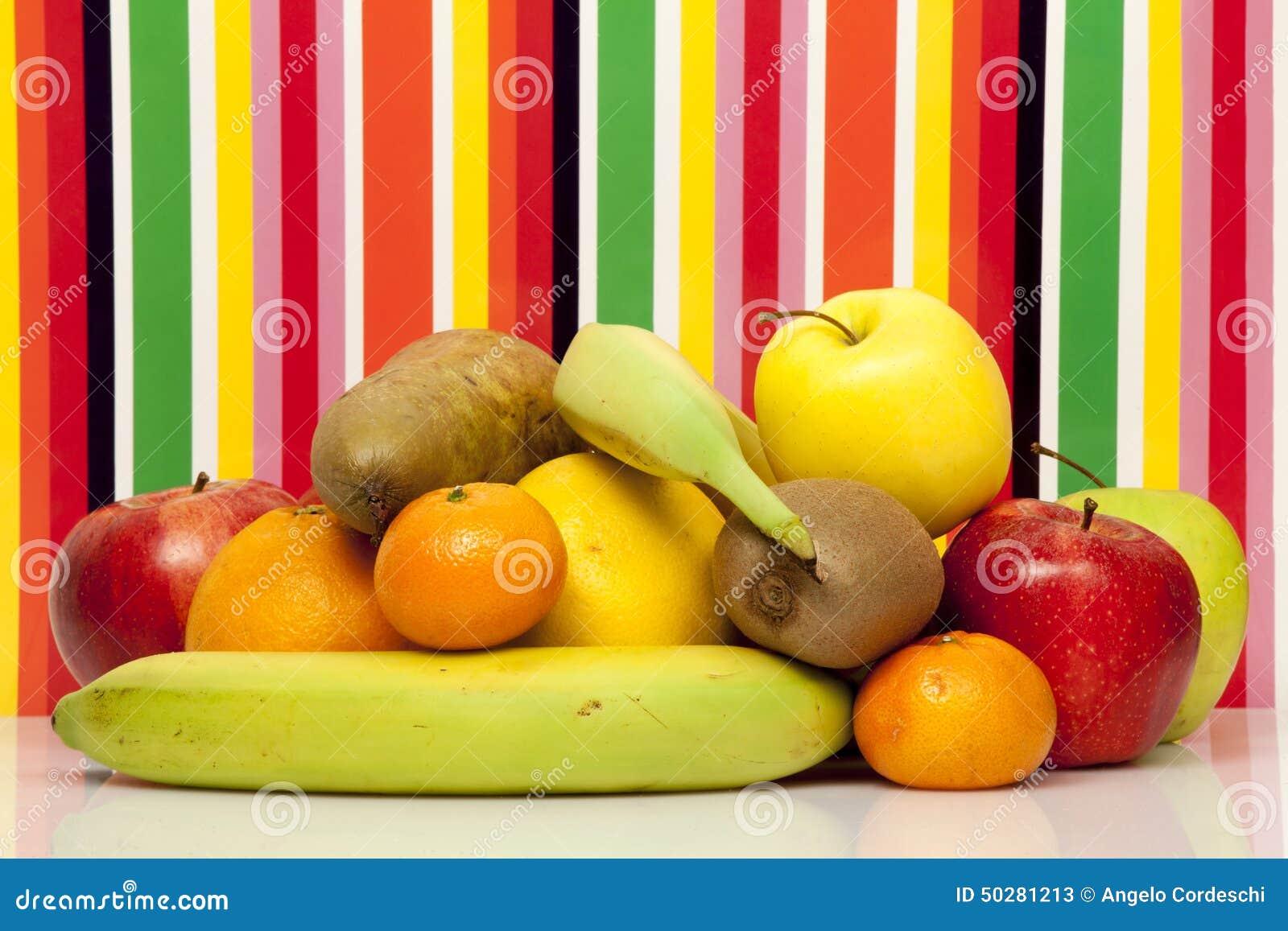 Frutas Apple, pera, naranja, pomelo, mandarín, kiwi, plátano Fondo multicolor