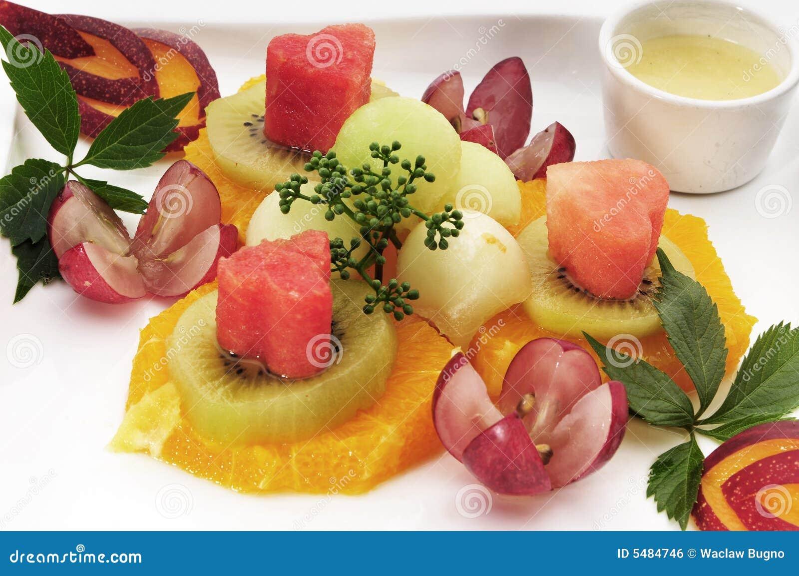 Frutas bonitas na placa