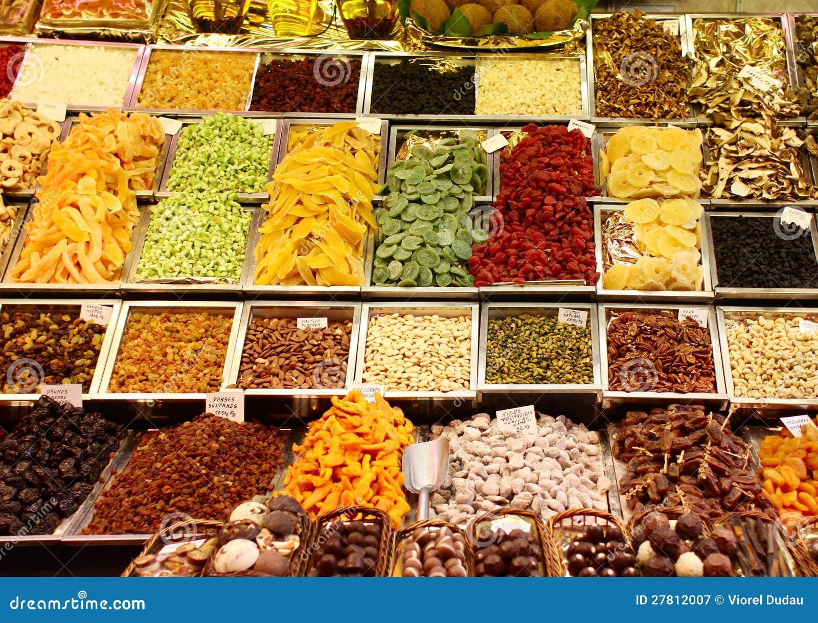 Frutas secadas en el mercado