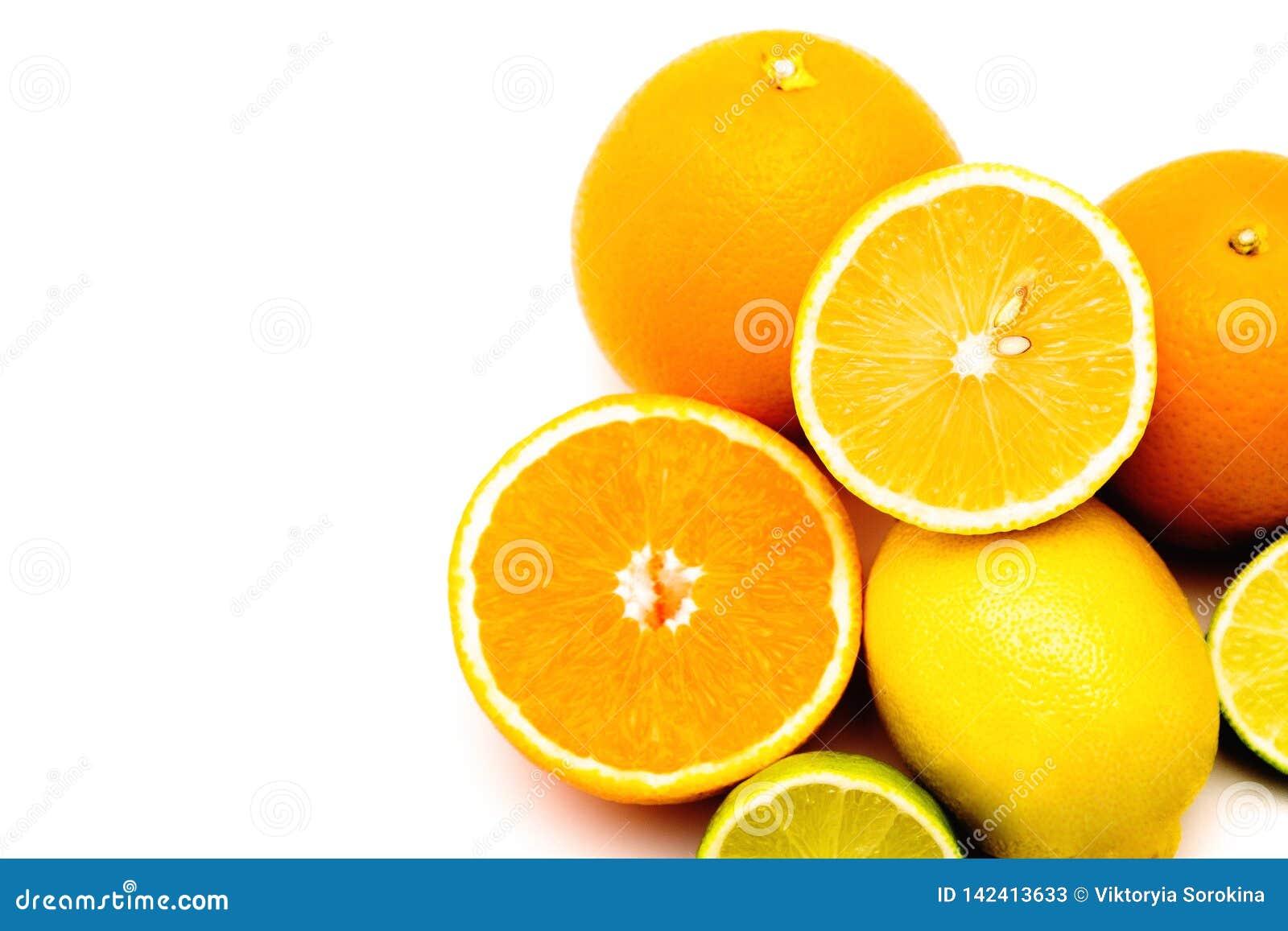 Frutos, frutos tropicais, frutos suculentos, citrino, citrinas, laranja, limão, cal, toranja, suculenta, fruto em um fundo branco
