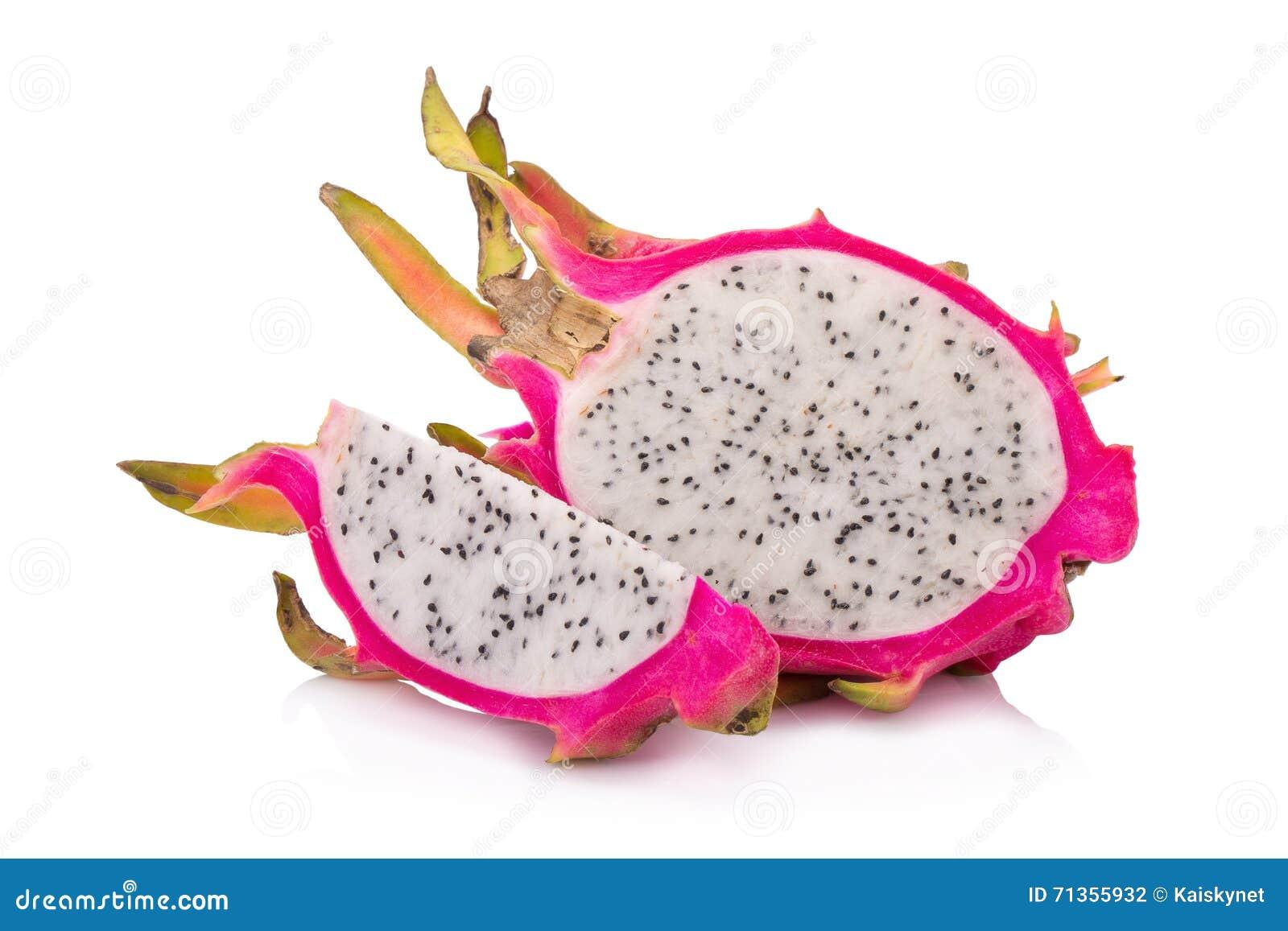Frutta del drago isolata su fondo bianco
